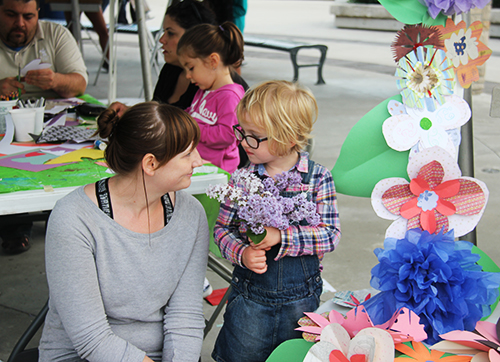 Artfest Workshop Leader: Sabrina Parish at Artfest Port Credit - building a flower sculpture!