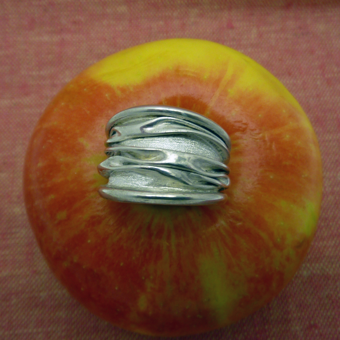 Corrugated Light ss ring (3).JPG