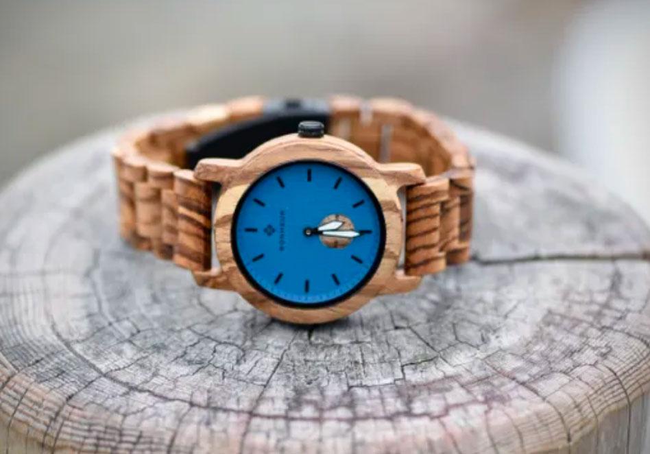 BONHEUR Exotic Wood Timepieces