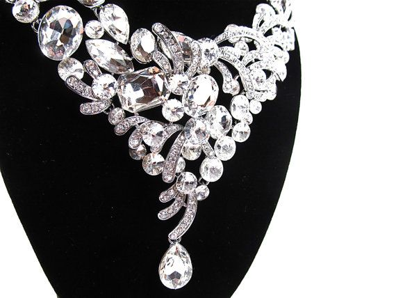 e13b745ff3e6e0552b79530dda9981f6--statement-necklace-wedding-wedding-necklaces.jpg