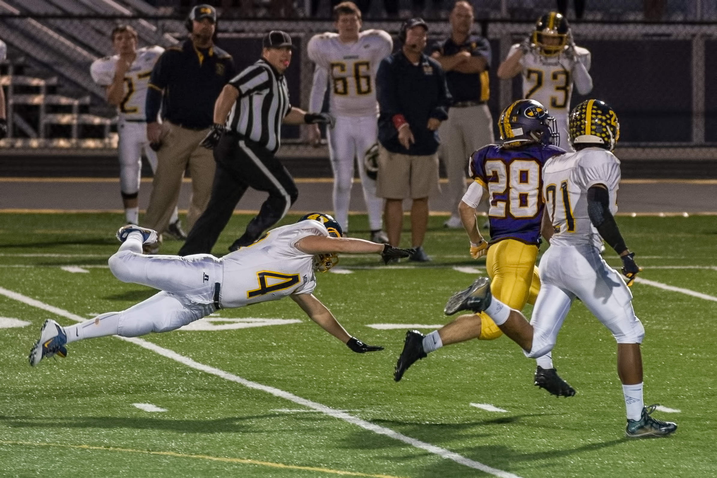 75 Yard Kickoff Return  Nikon D610 ISO 6400 200mm f/4.5 1/800 sec.