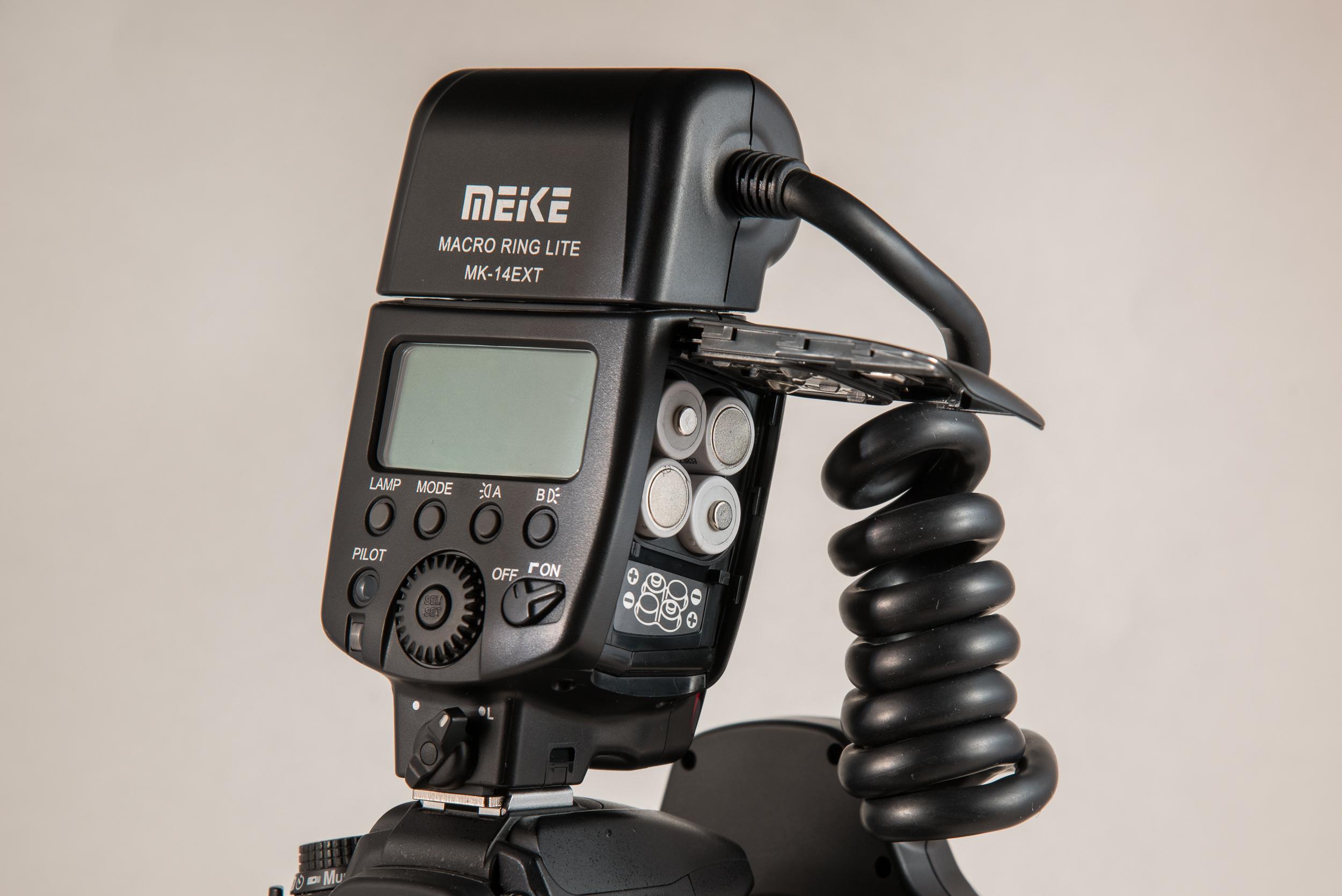 Mieke MK-14EXT Battery Door - utilizes 4-AA batteries