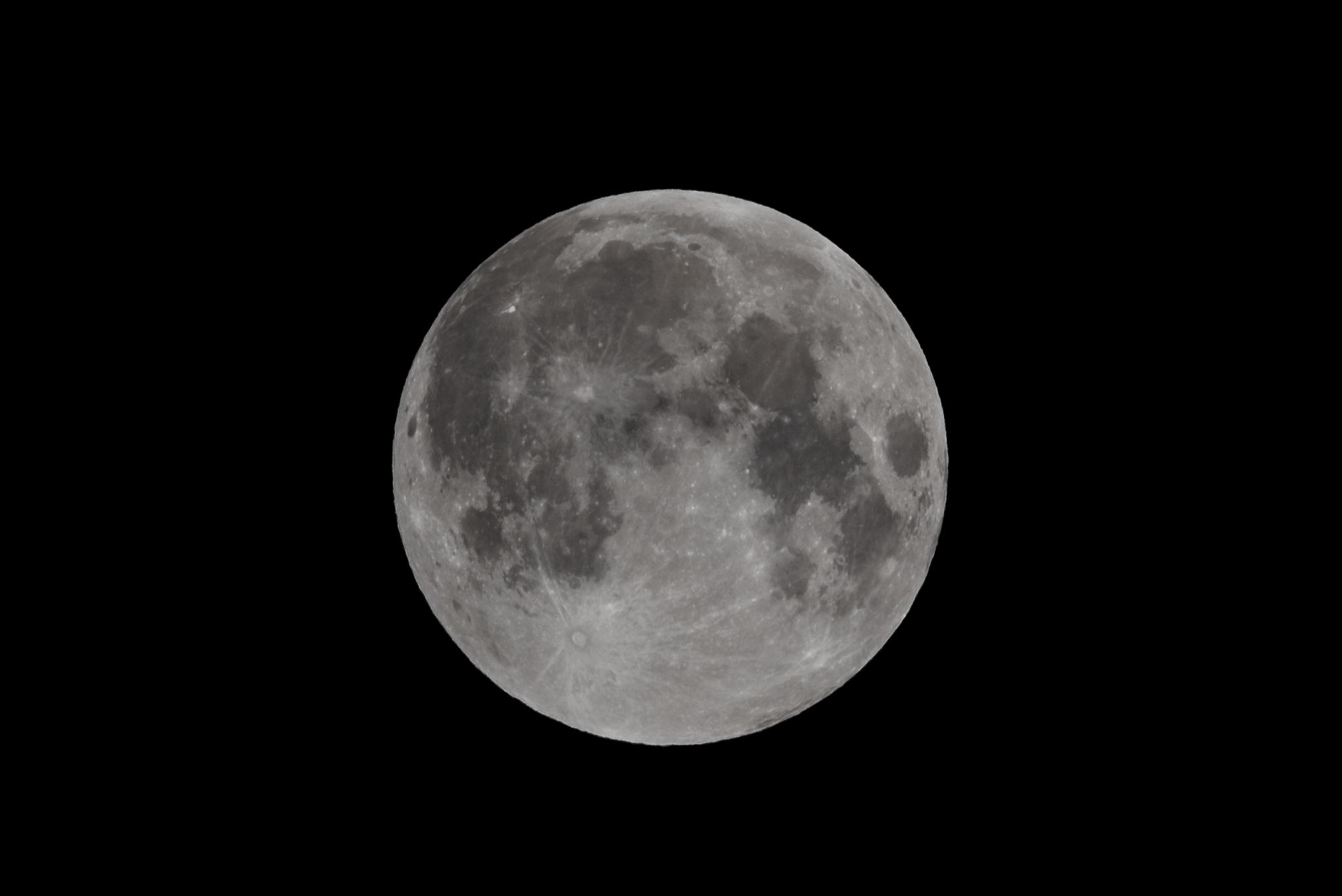 Full Moon 23 March 2016  Nikon D750 ISO 100 600mm f/14 1/250 sec.