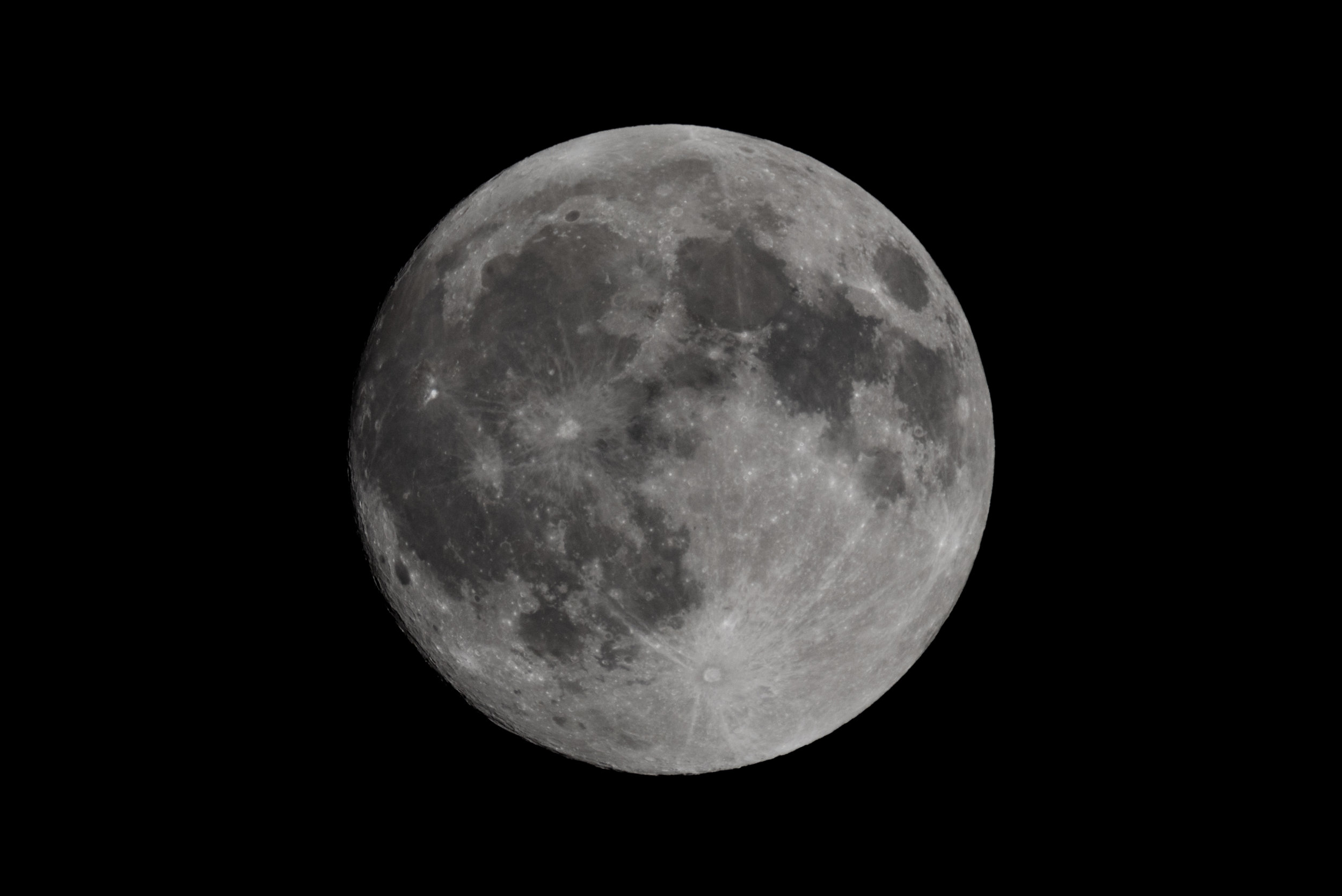 Waxing Gibbous Moon at 1200mm on Nikon D750
