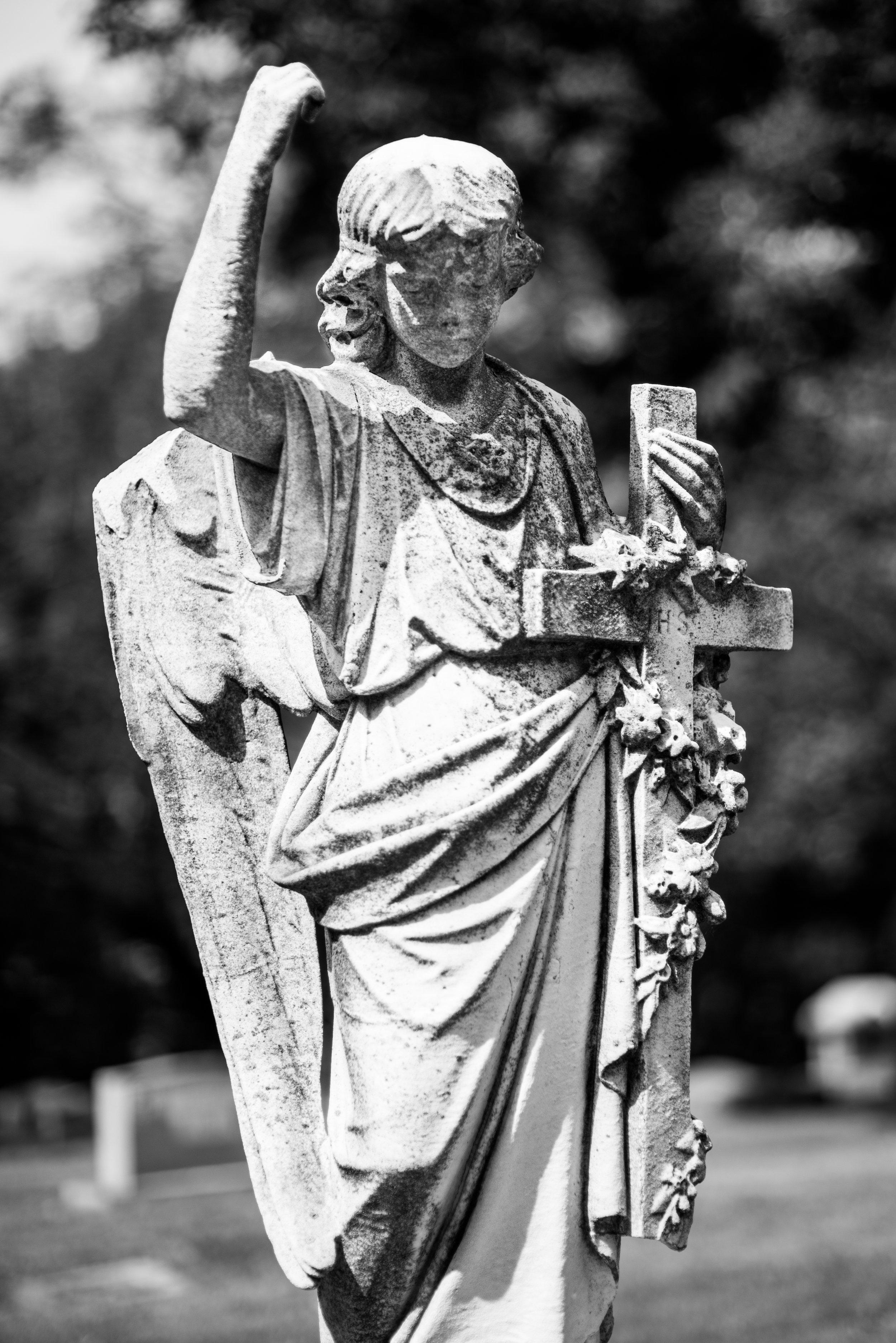 angel Woodland Cemetery
