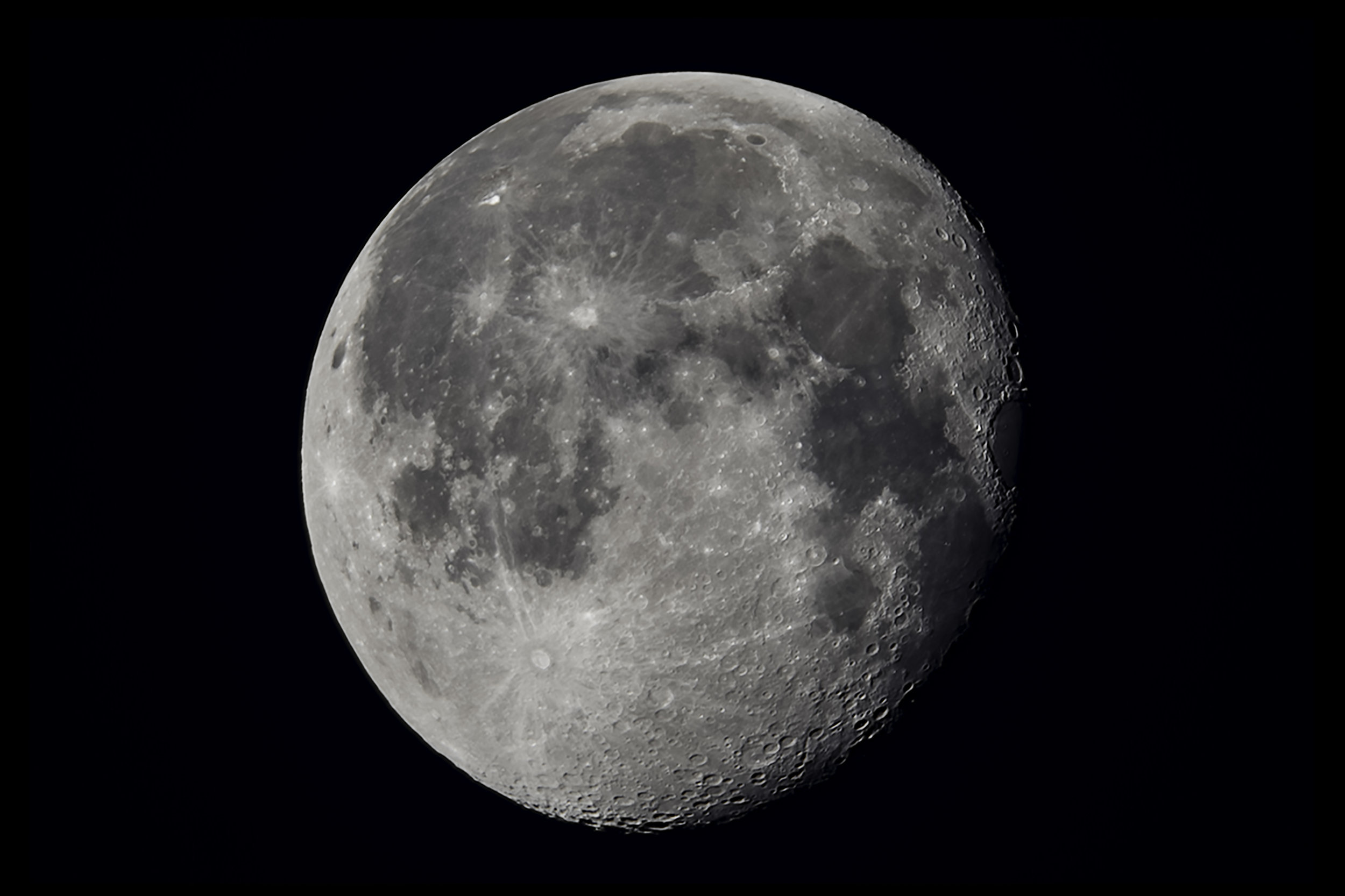 Moon - 40 image stack in RegiStax