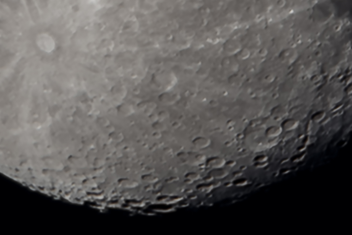 1:1 Close-up of Moon - 40 image stack in Photoshop using Smart Object Mean mode