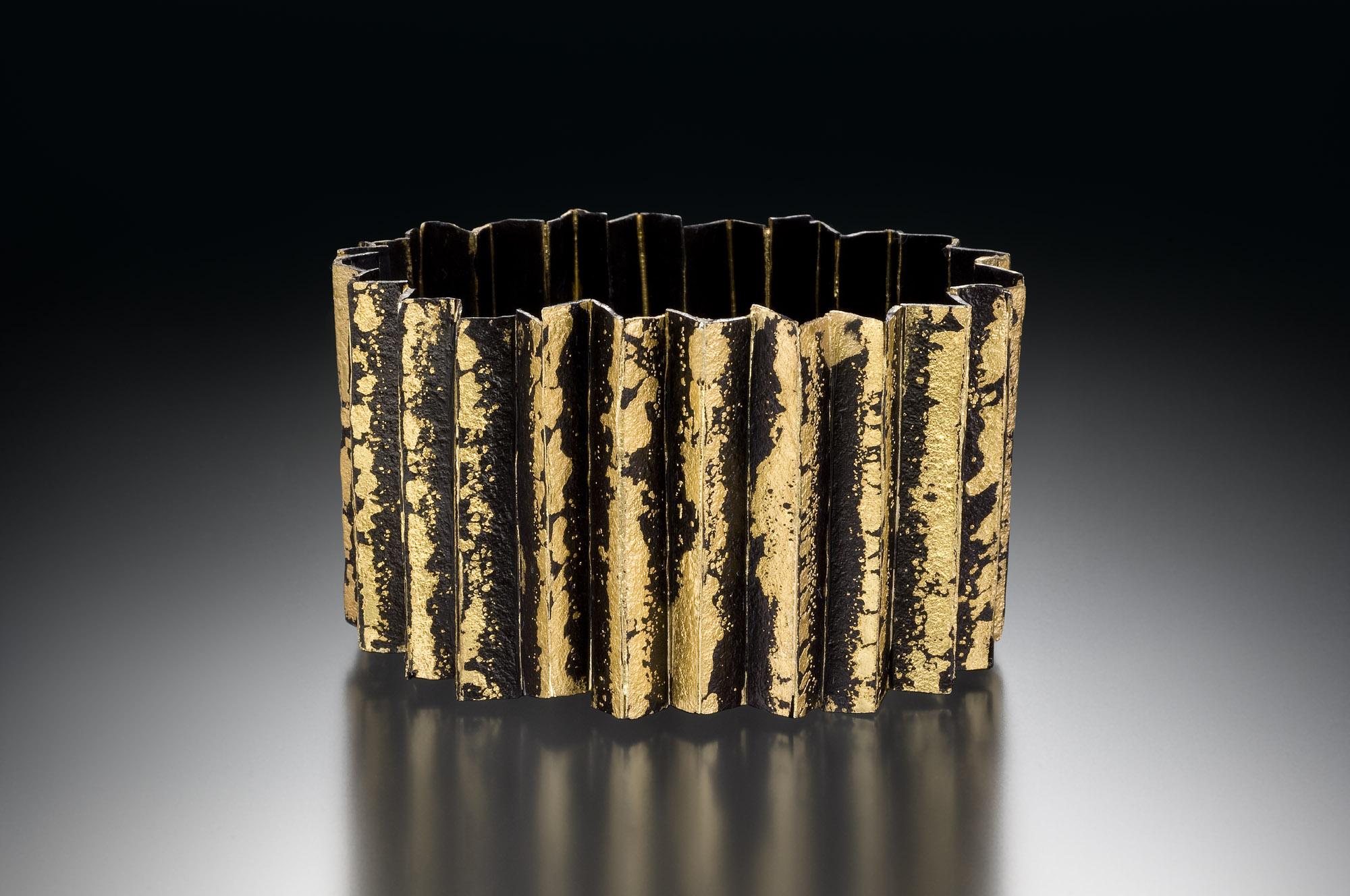 Corrugated Locking Bracelet