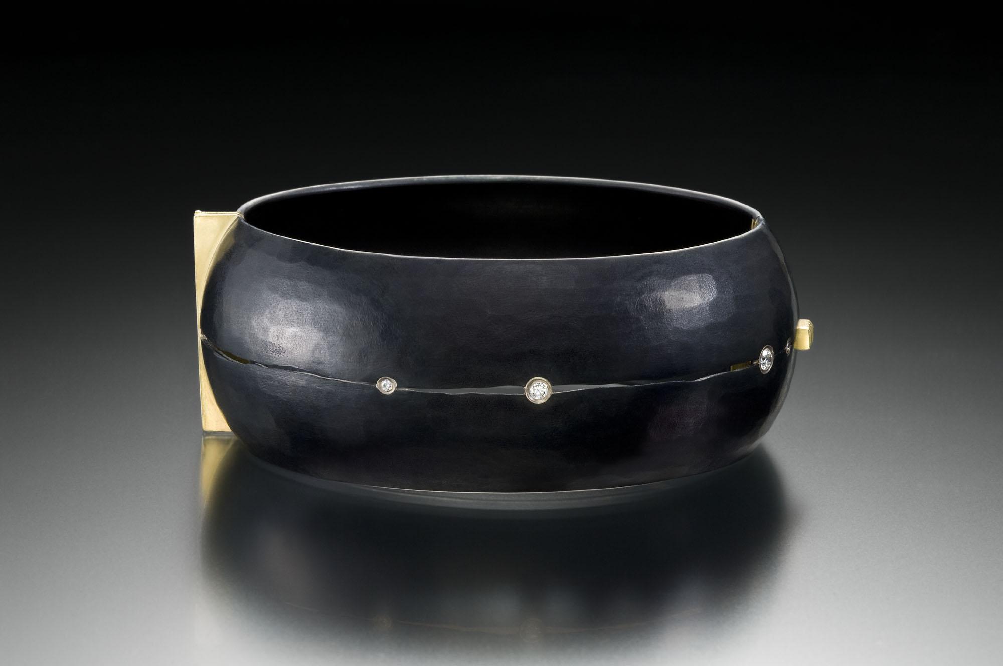 Fractured Locking Bracelet