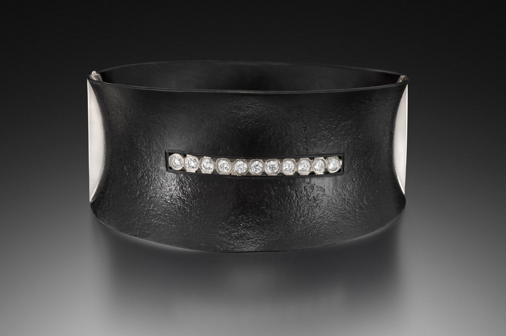Short Stripe Locking Bracelet
