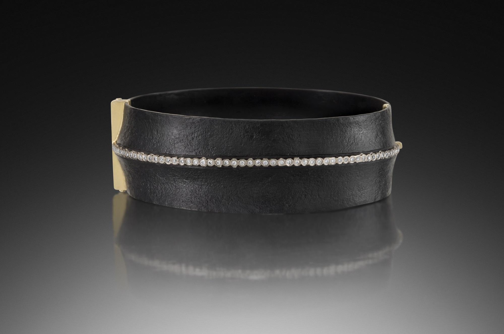Slant Locking Bracelet