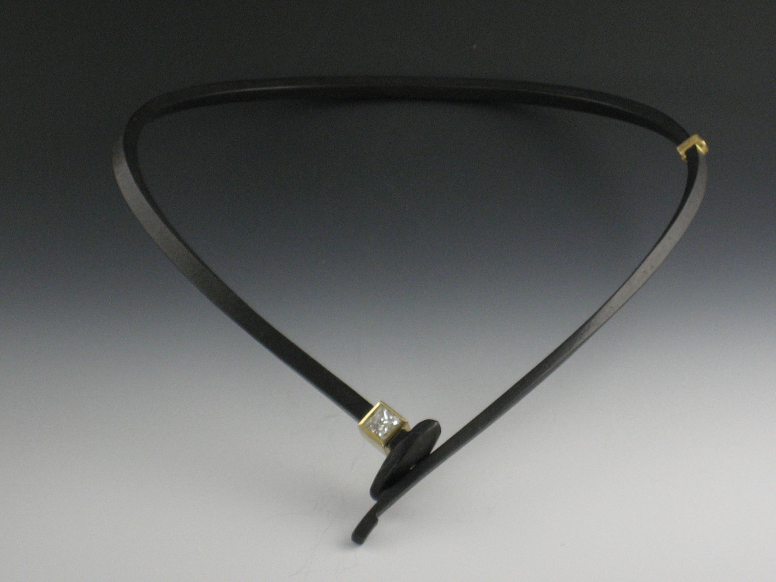 Square Diamond Neckpiece with Simple Tail