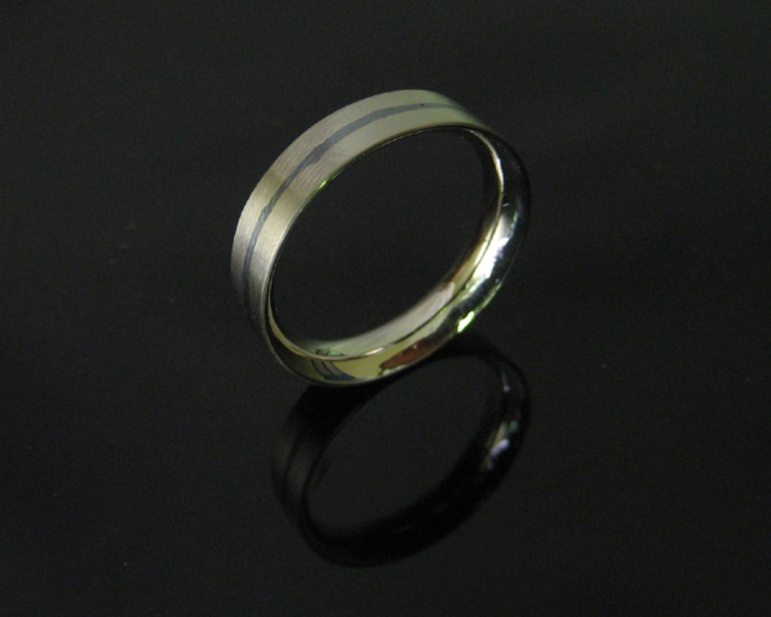 18K White Gold and Niello Band Ring