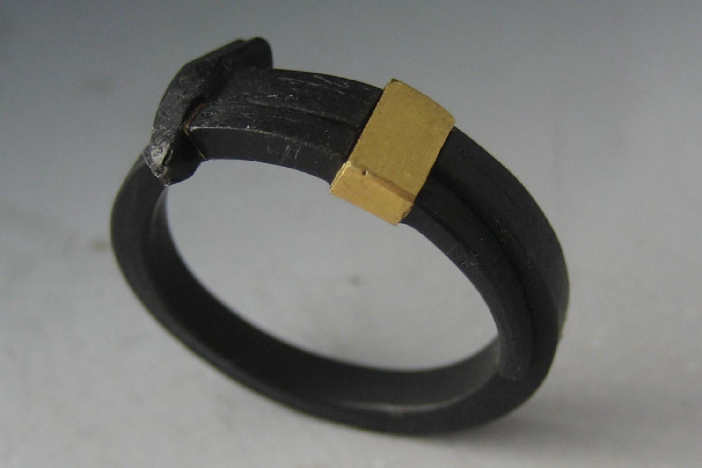 22K Collar Nail Ring