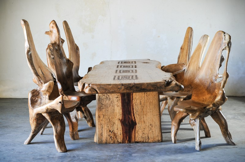 Стол из слэба дерева тамаринд