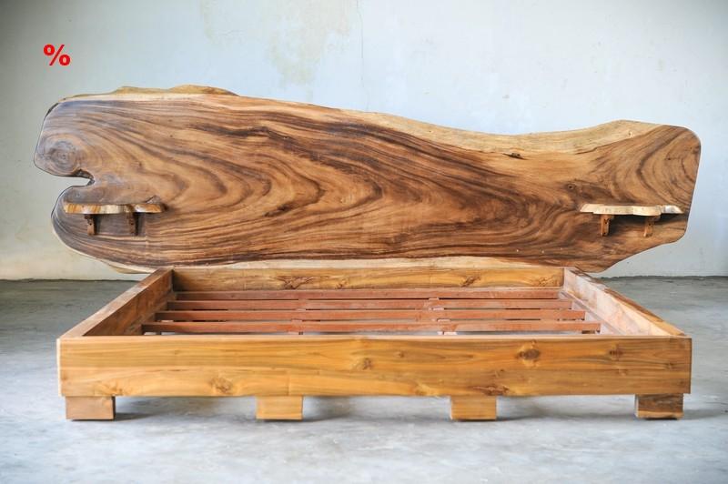 Кровать с изголовьем из единого слэба SUAR