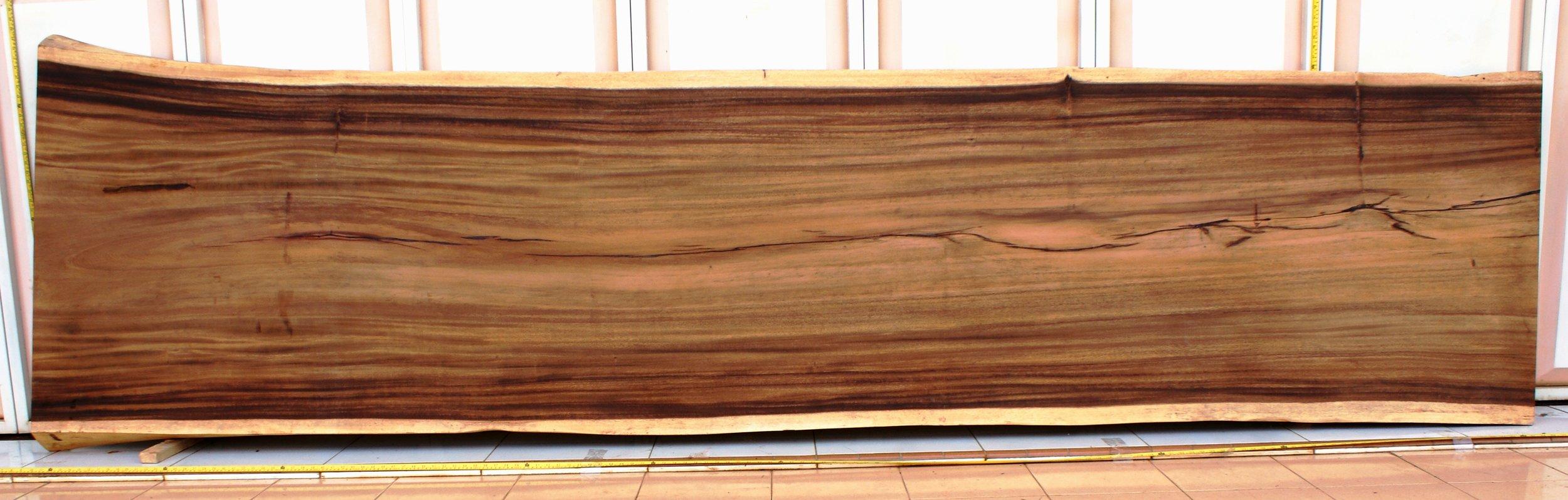 SUAR  Материал: слэб дерева  суар  Размеры: 400 x 97-110 х 10 см