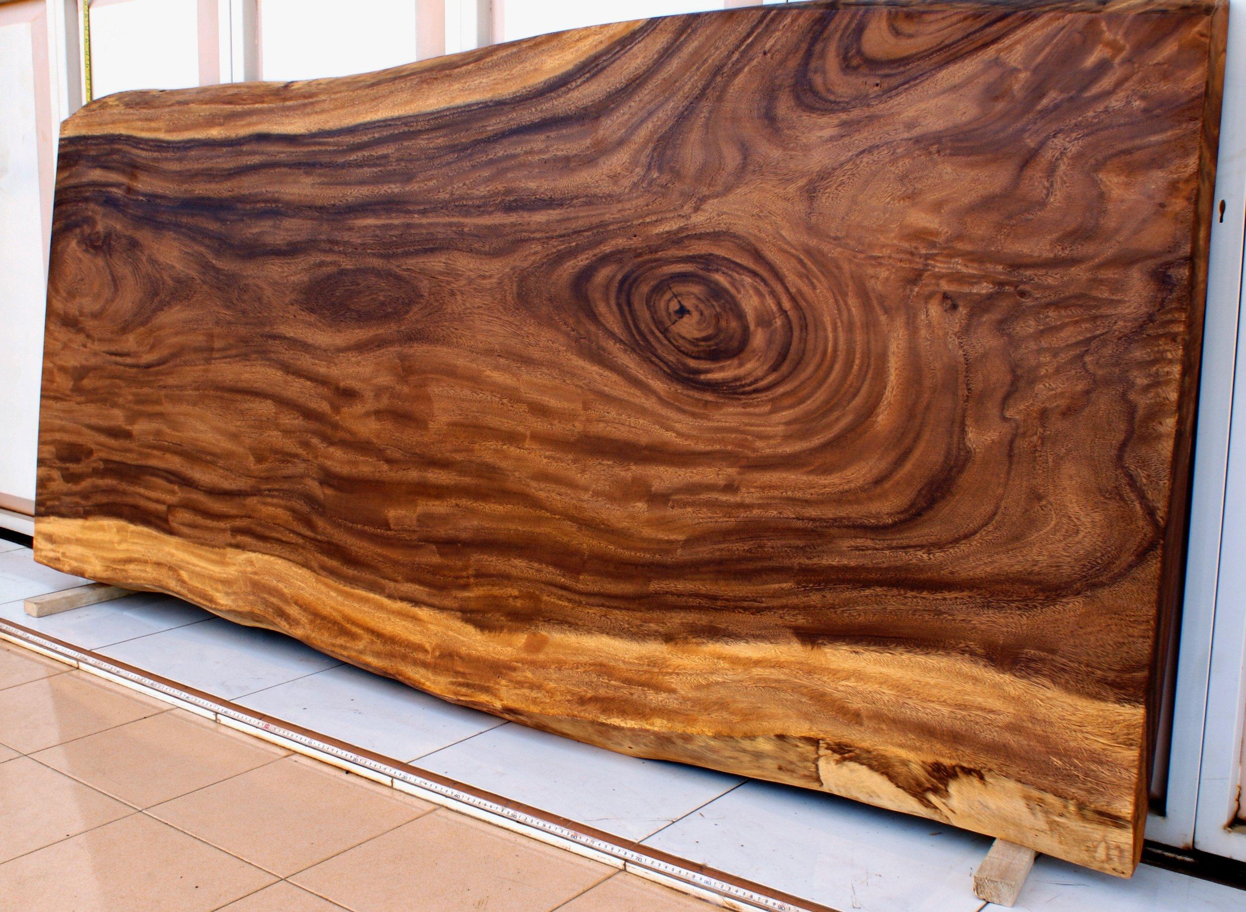 SUAR  Материал: слэб дерева  суар  Размеры: 220 x 105 х 8 см