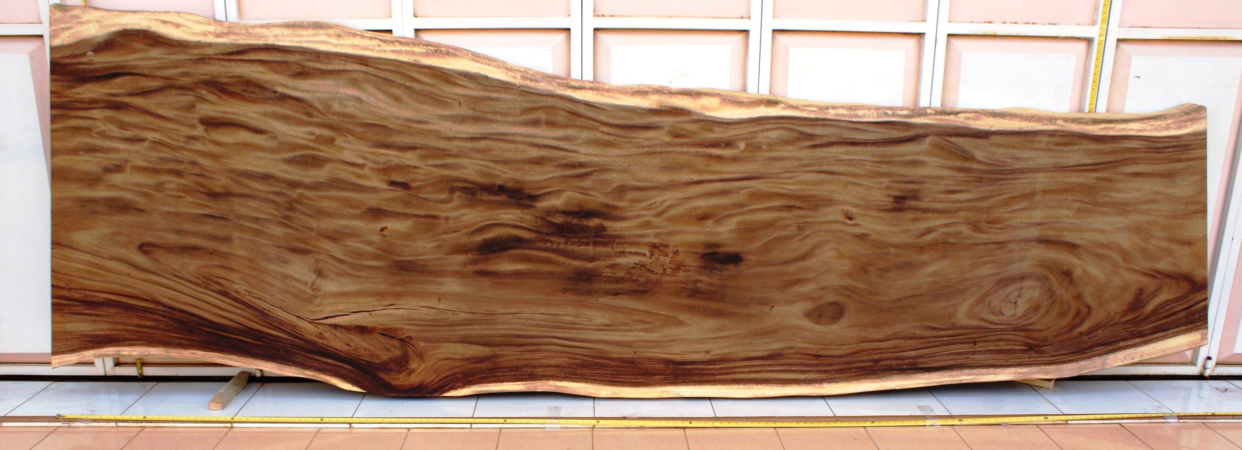 SUAR  Материал: слэб дерева  суар  Размеры: 400 x 95-115 х 9 см