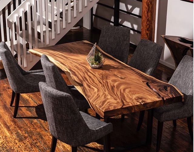 Обеденный стол.  Место где собирается семья. Так почему бы не сделать его особенным. Стол из слэба дерева Суар. - suar wood natural dining table - заявку с размером стола отправляйте в Директ watsapp или по телефону +79052616629