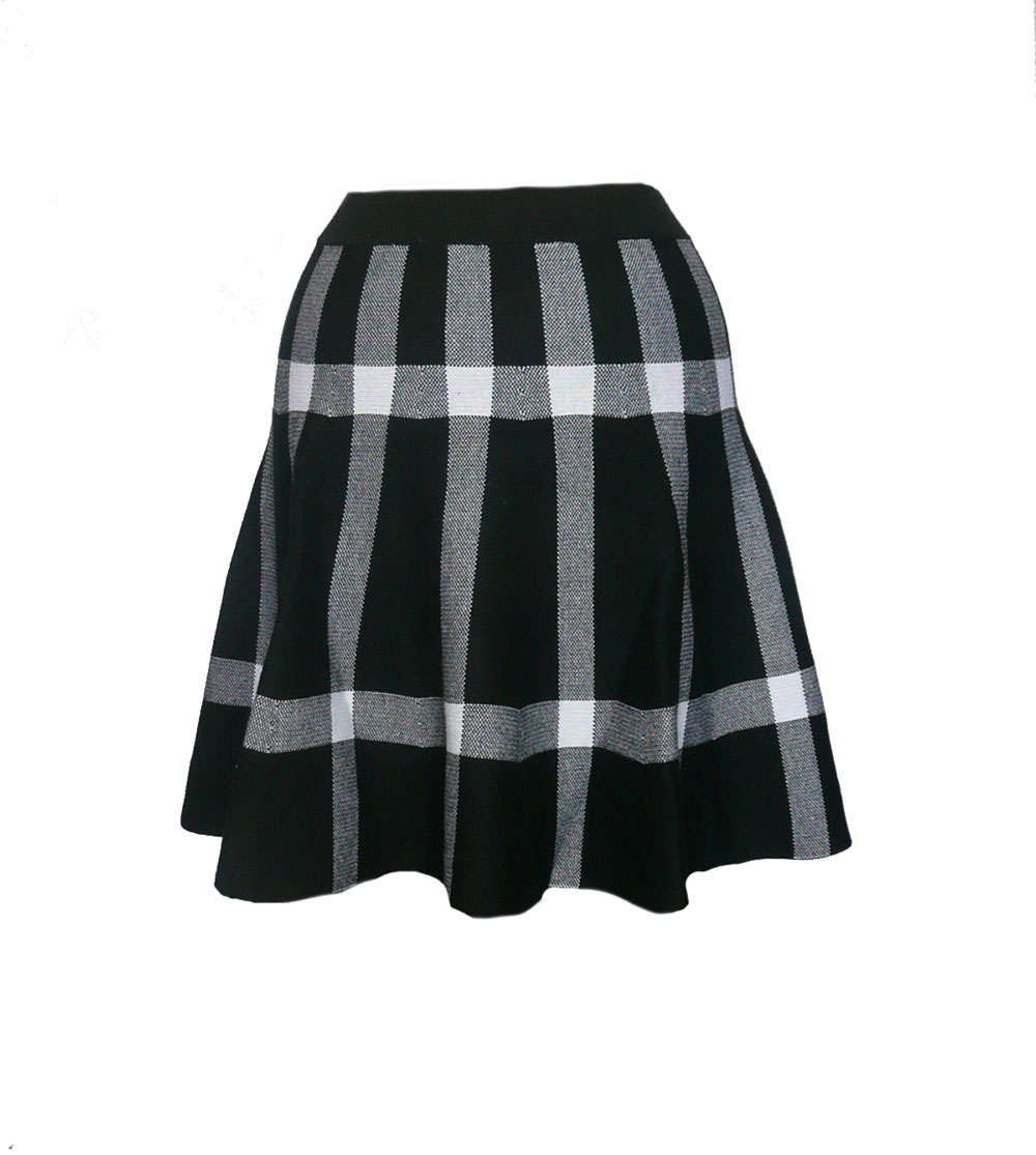 skirt flip bw bold plaid.jpg