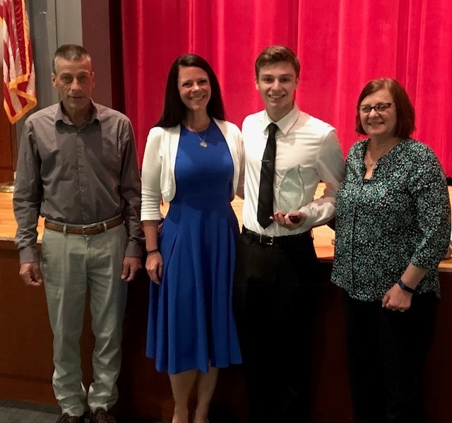 2019 Scholarship Winner, Casey Ivester with parents, Donald and Diane