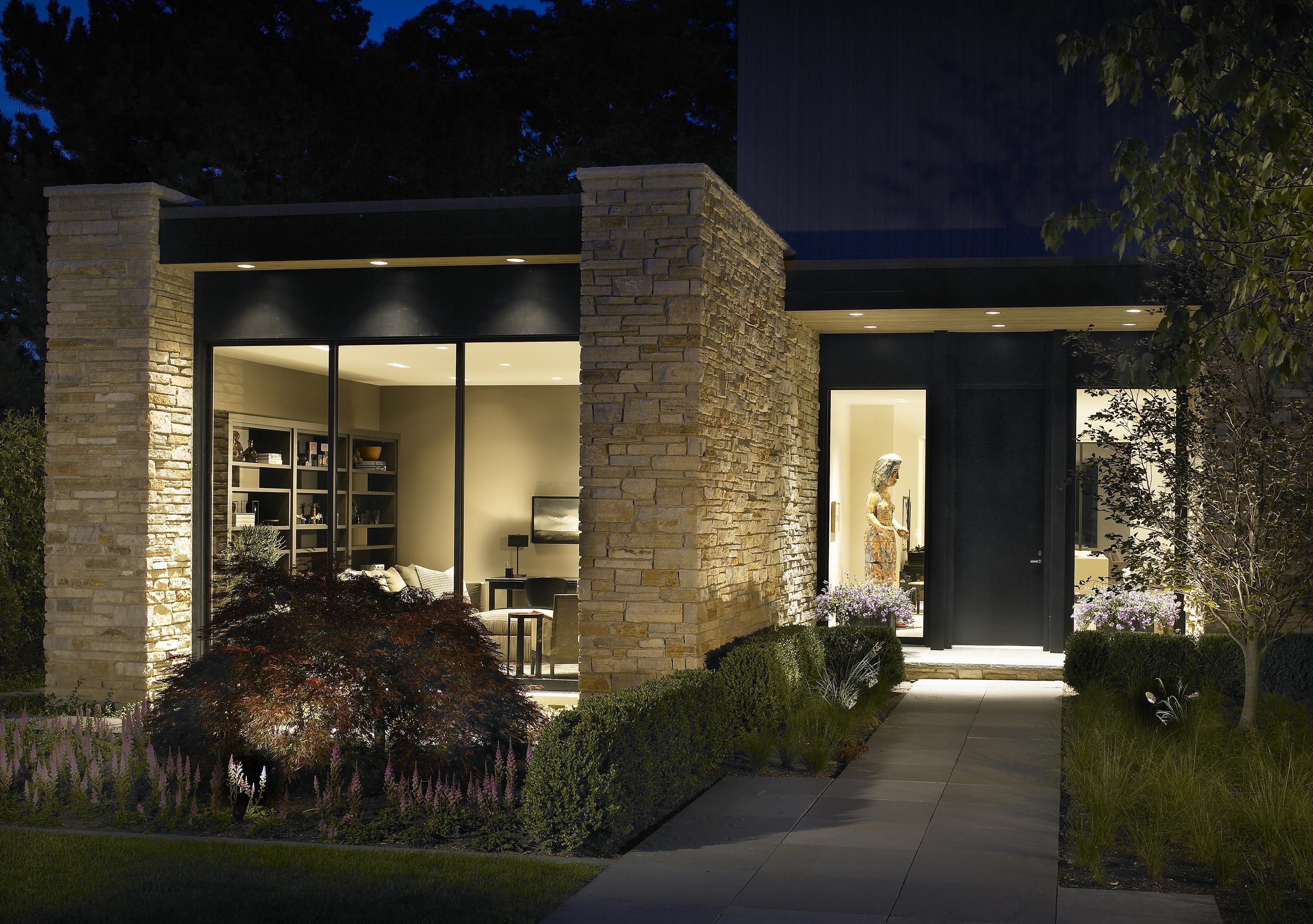 Kadlec Architecture + Design - Modern Lakefront Residence 16-1.jpg