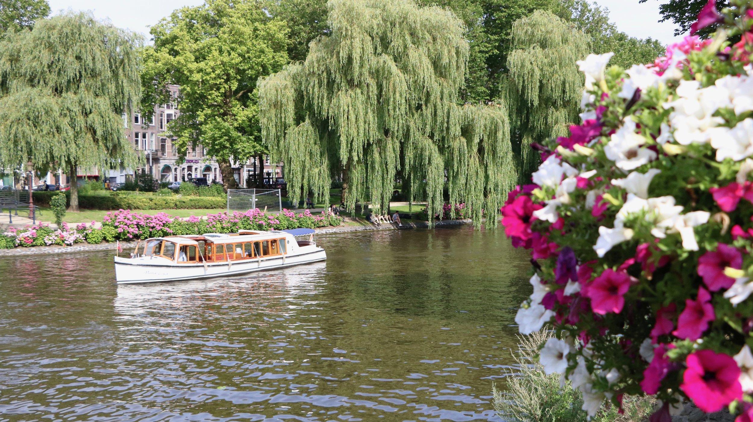 Boat-tour-amsterdam