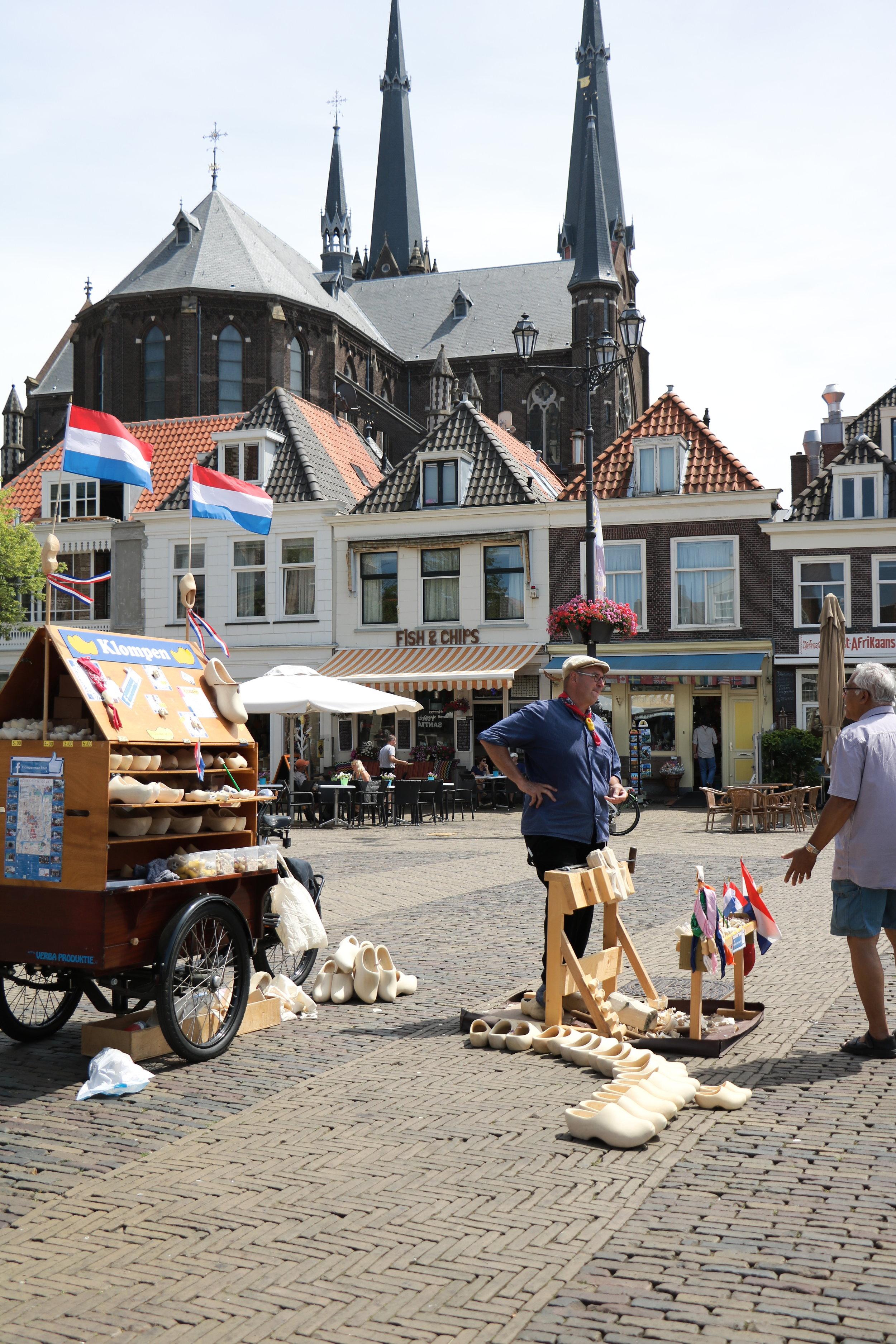 Delft-Dutch-cobbler