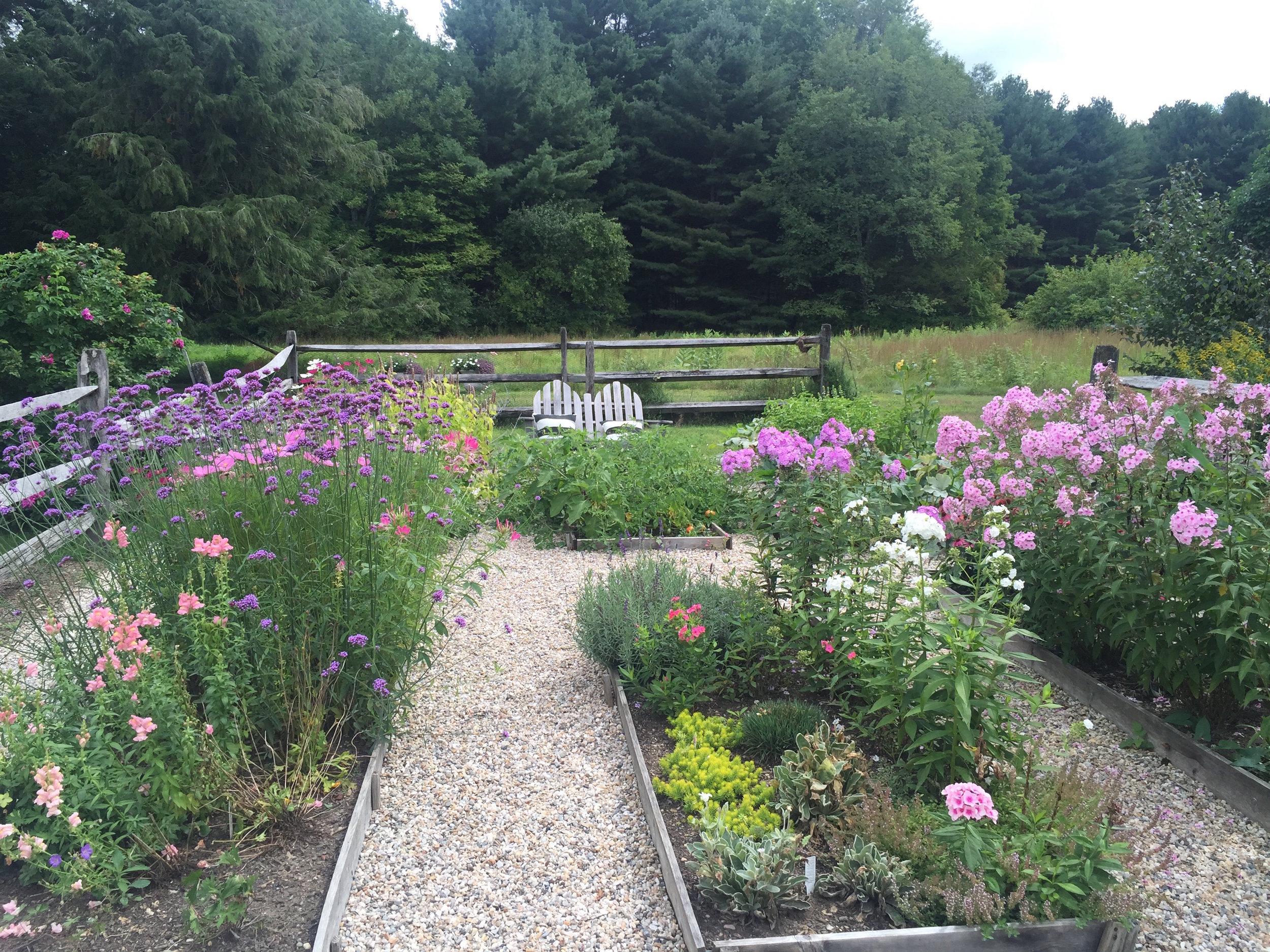 garden2016.jpg