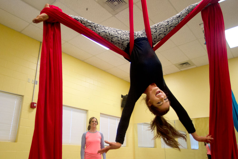 shelly-daughter-ropes-upside-down.jpg