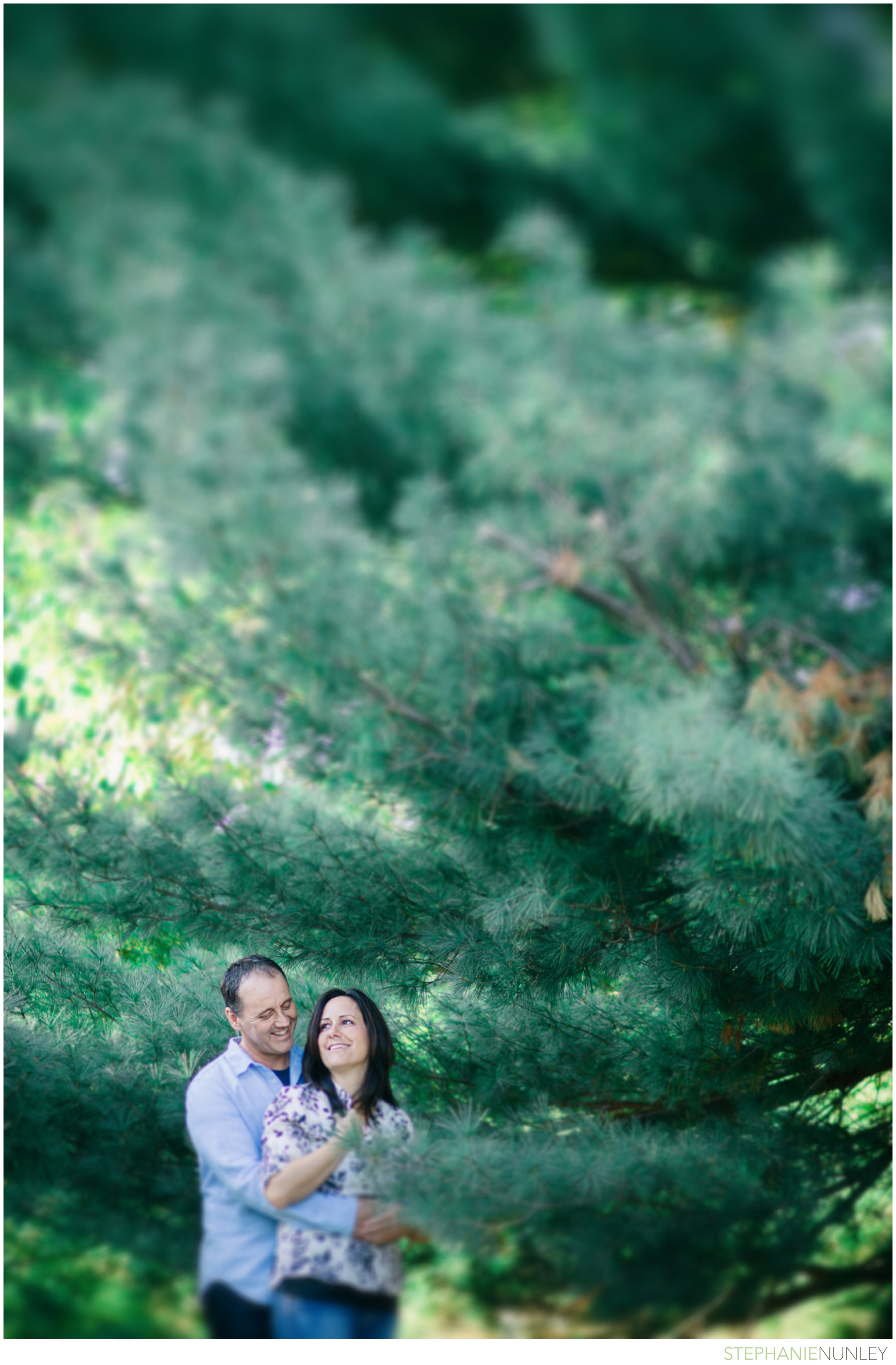 backyard-engagement-photos-0131