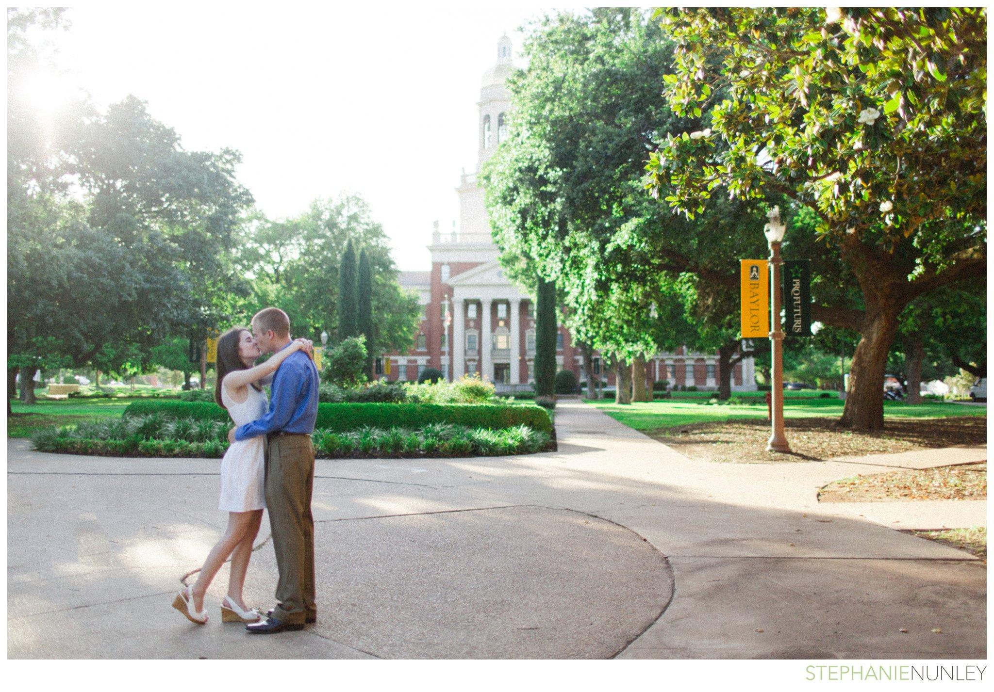 baylor-university-engagement-photography-014