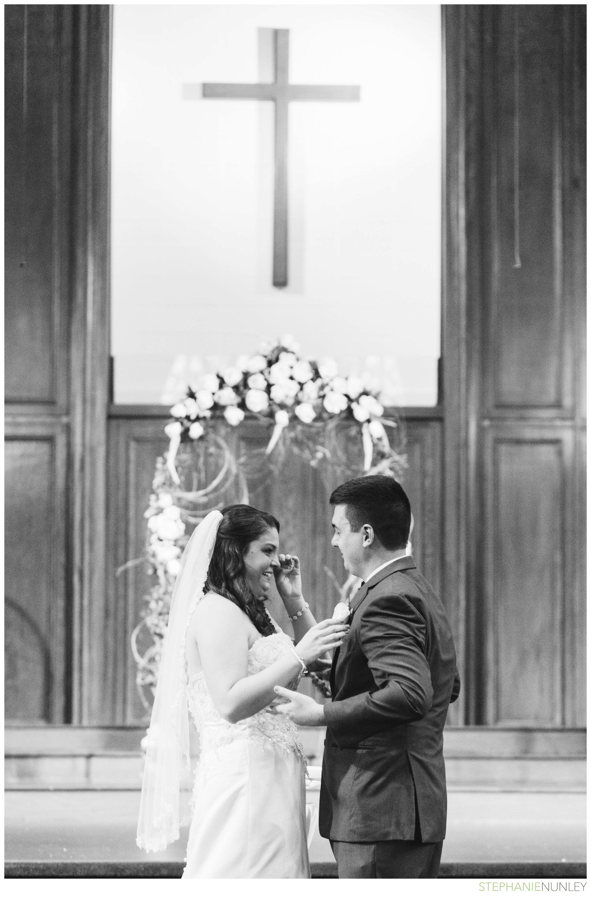 peach-and-navy-wedding-photos-011