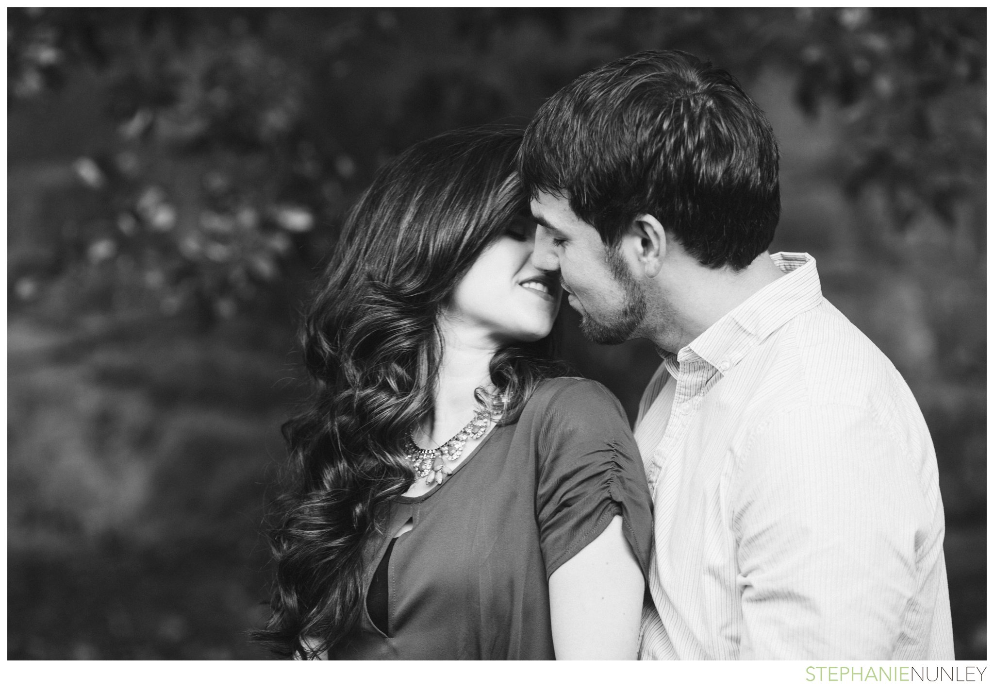 romantic-waterfall-engagement-photos-004