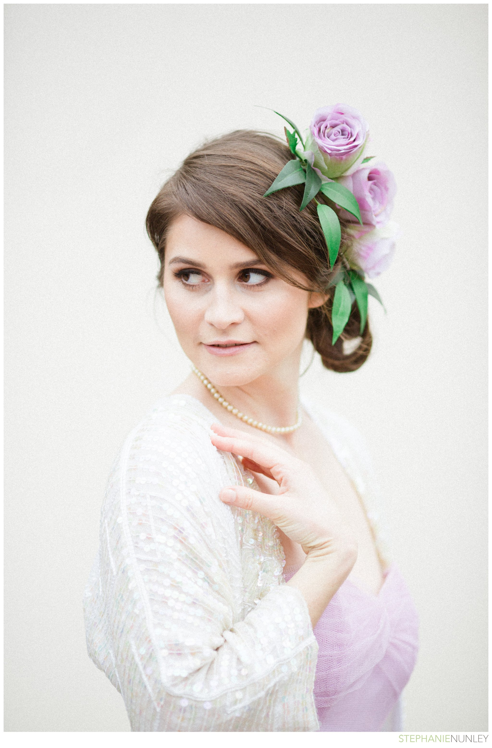 bride-with-floral-hairpiece-001