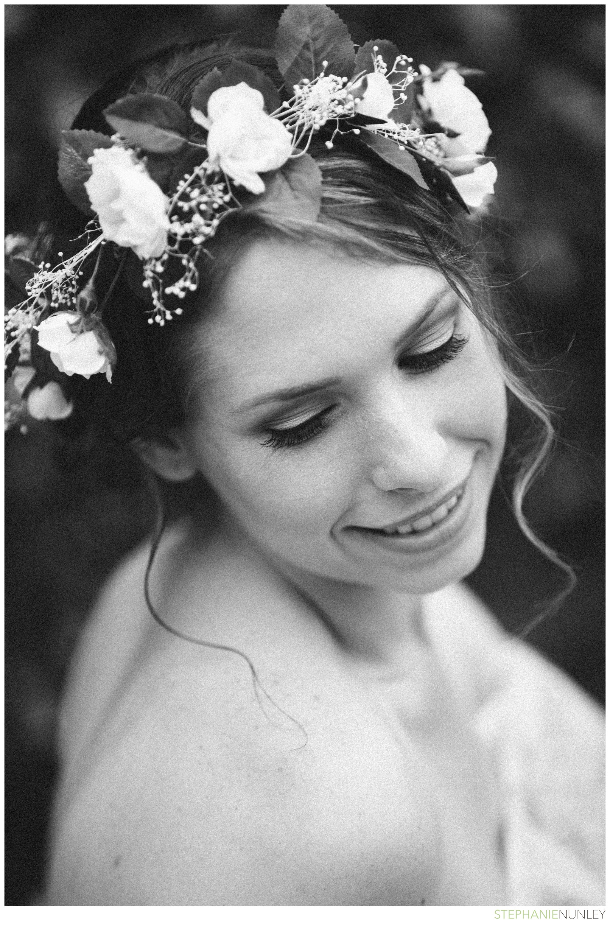 bride-with-floral-hairpiece-003