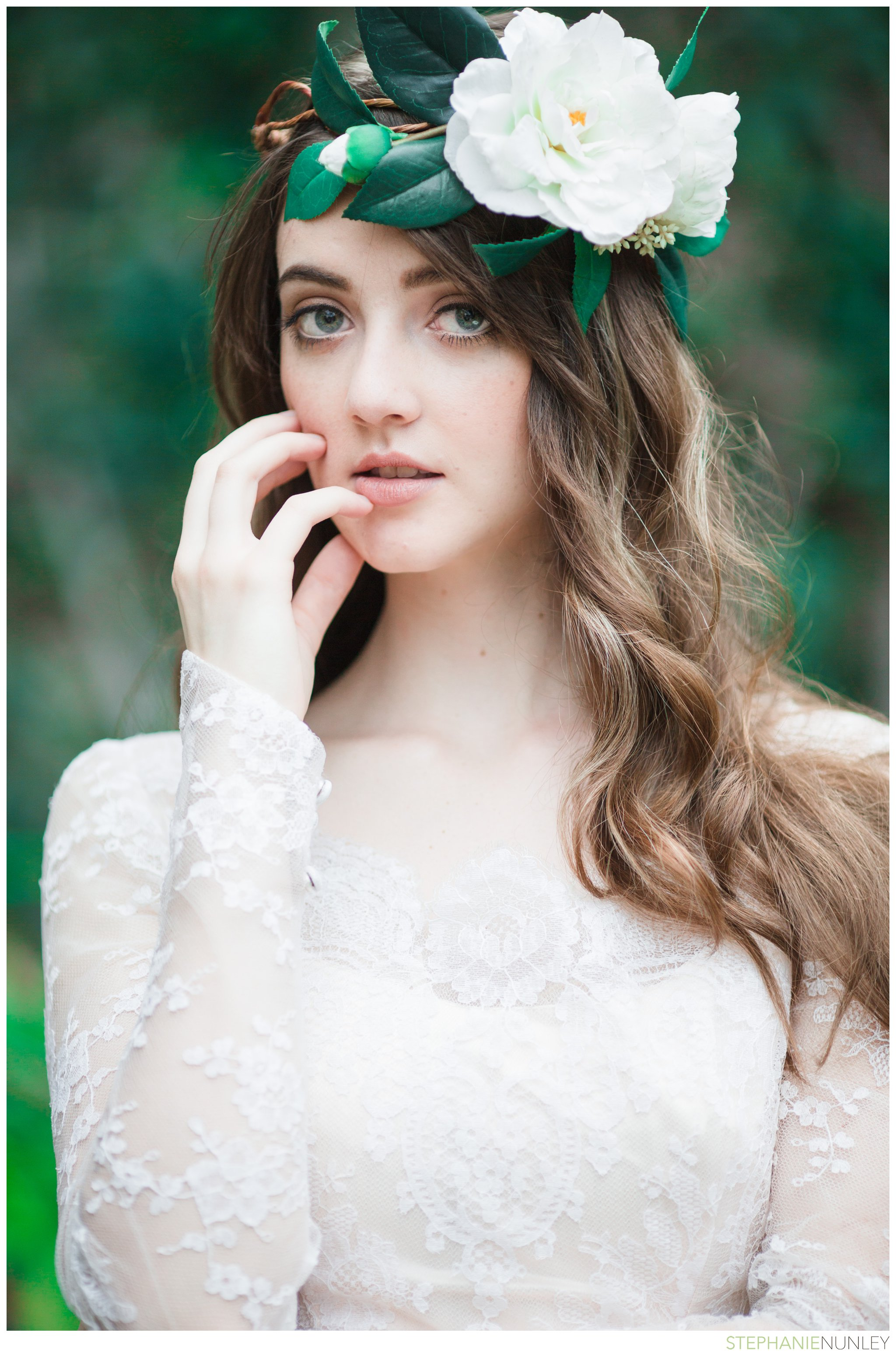 bride-with-floral-hairpiece-006