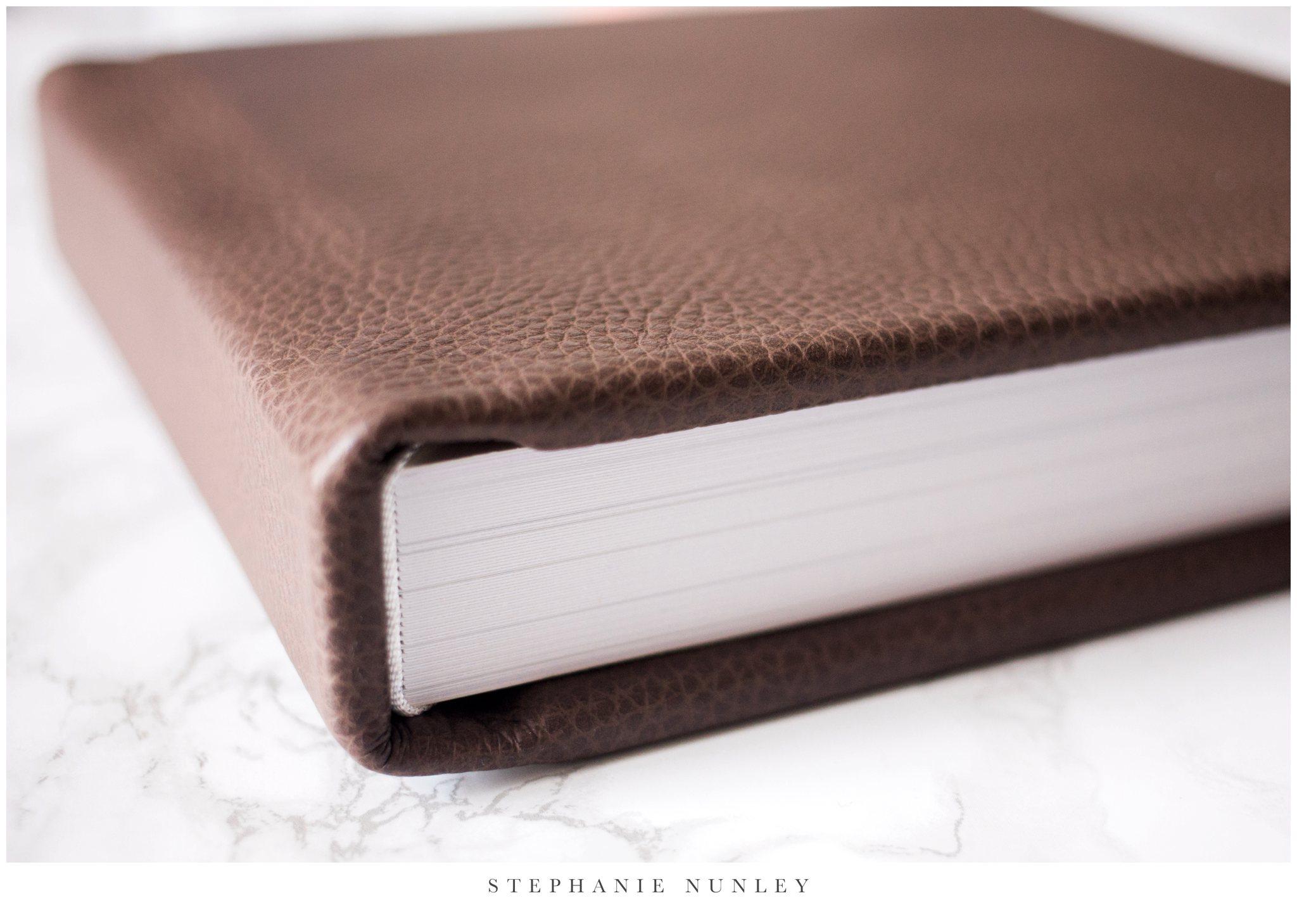 heirloom-leather-wedding-album-0001.jpg