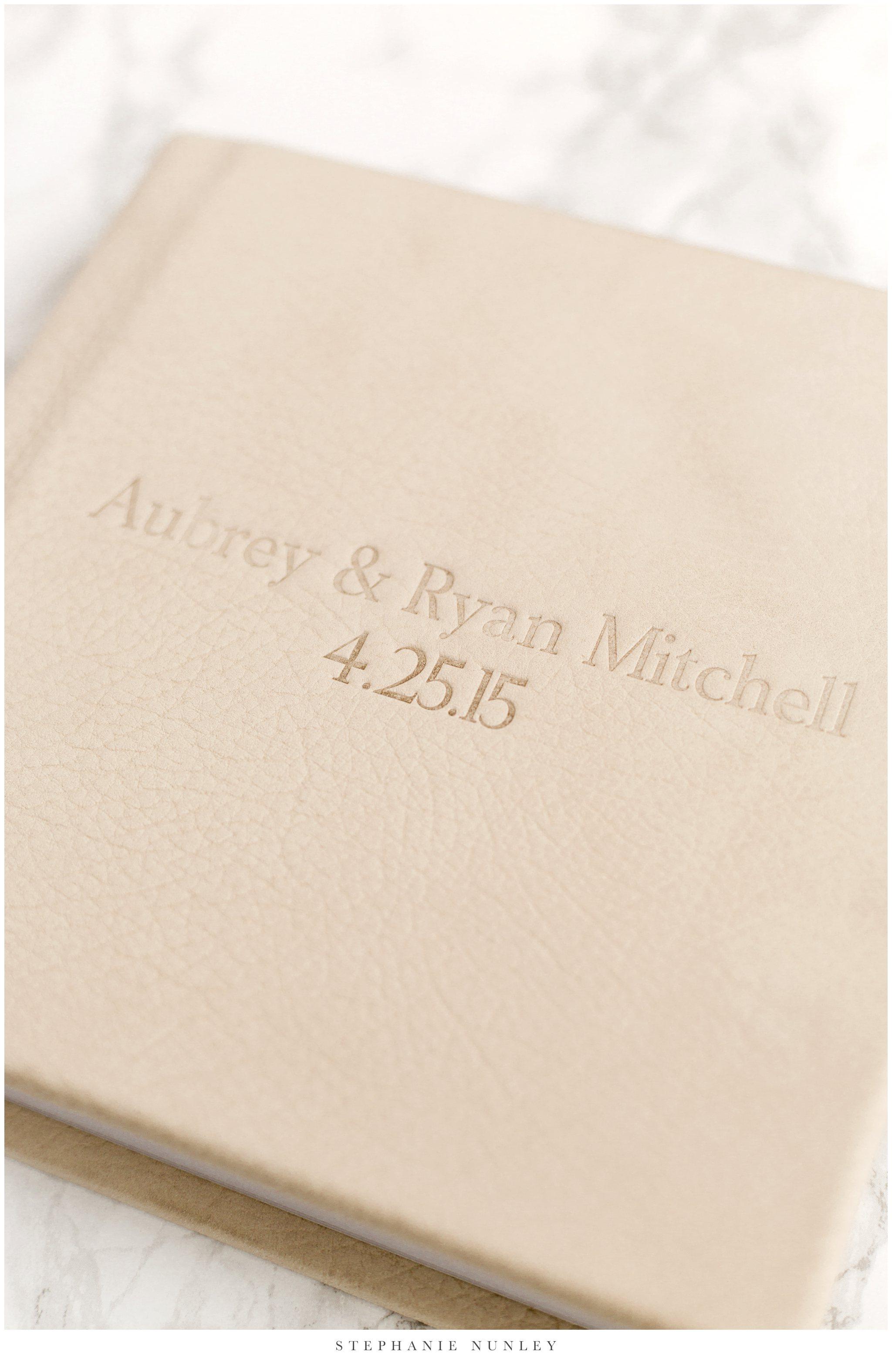 white-leather-wedding-album-photos-0001.jpg