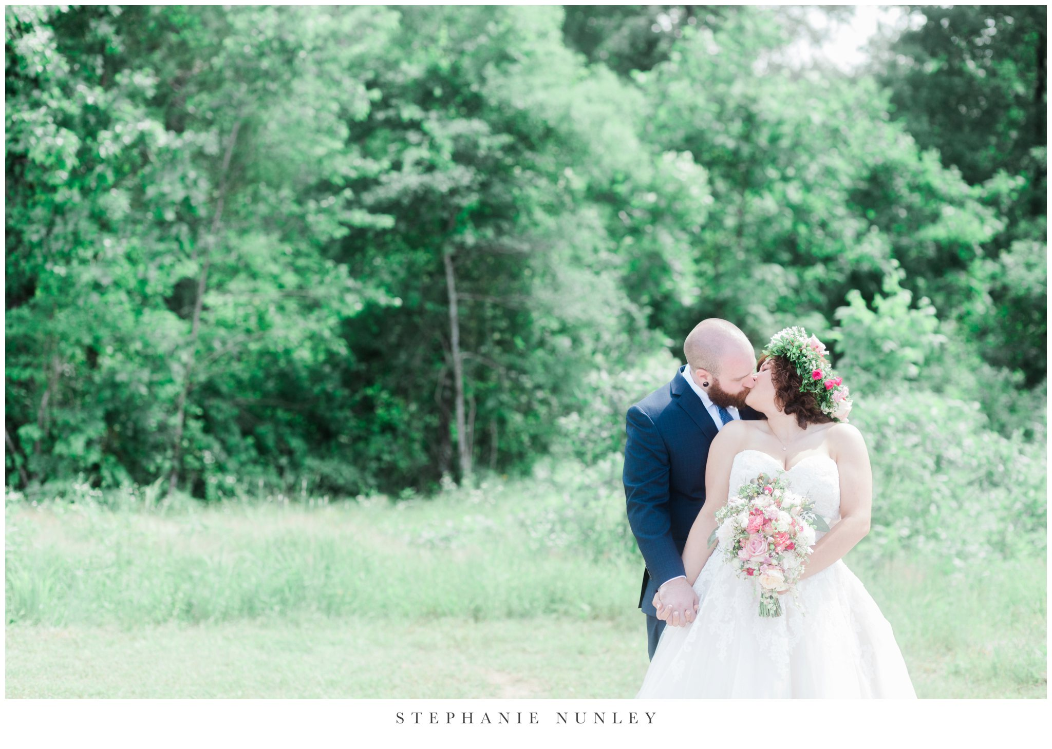 romantic-outdoor-wedding-with-flower-crown-0044.jpg