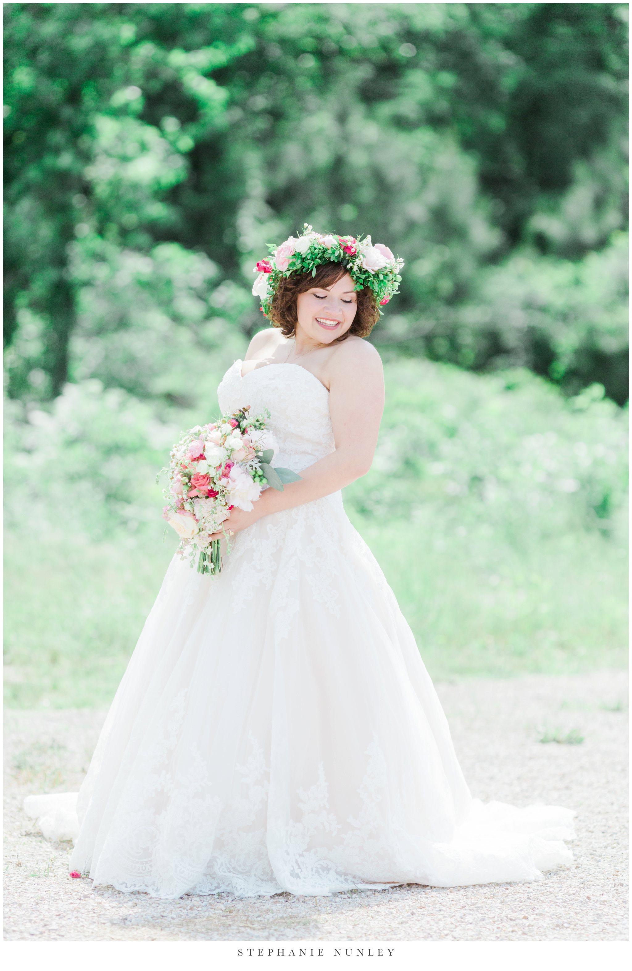 romantic-outdoor-wedding-with-flower-crown-0048.jpg