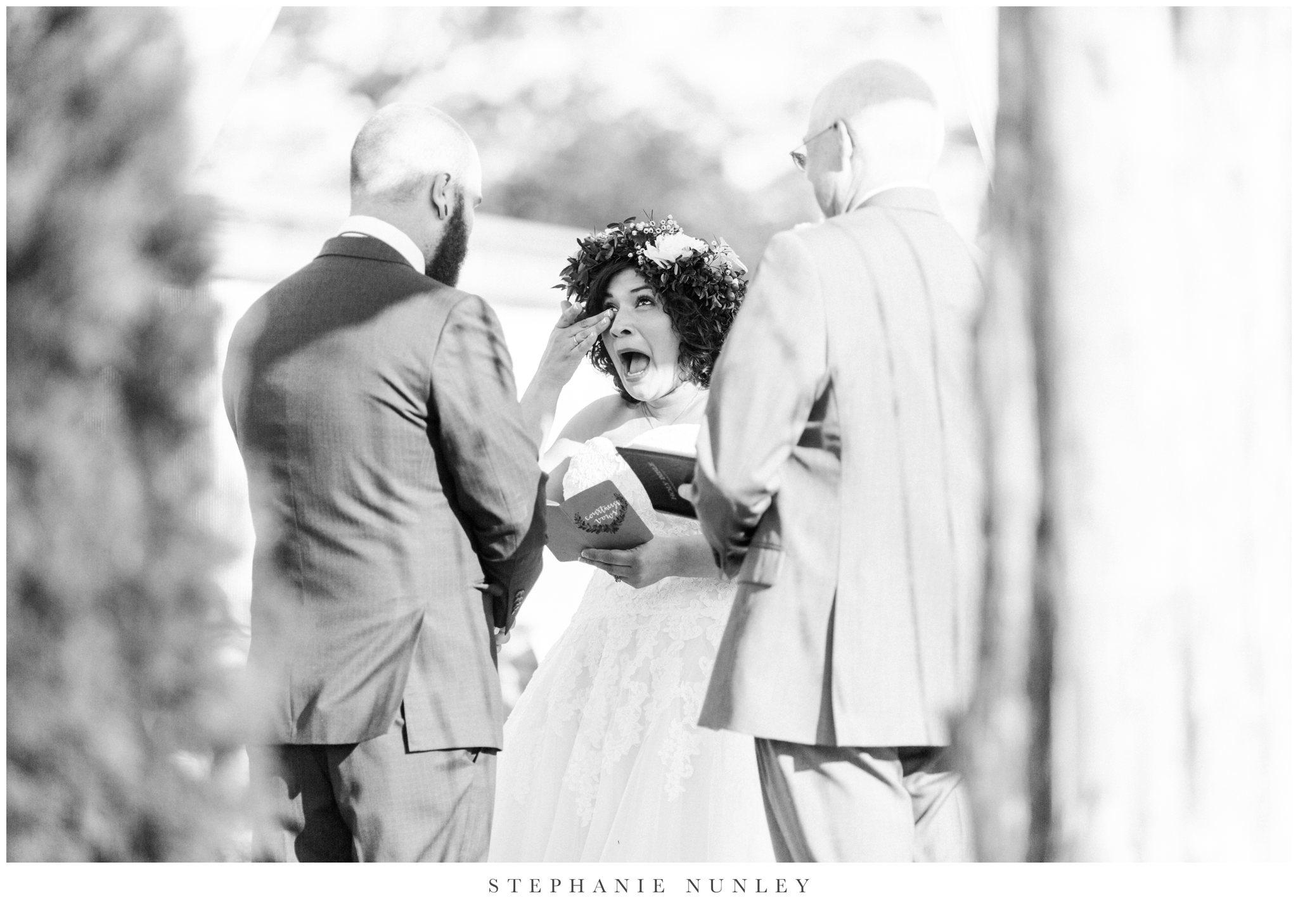 romantic-outdoor-wedding-with-flower-crown-0097.jpg