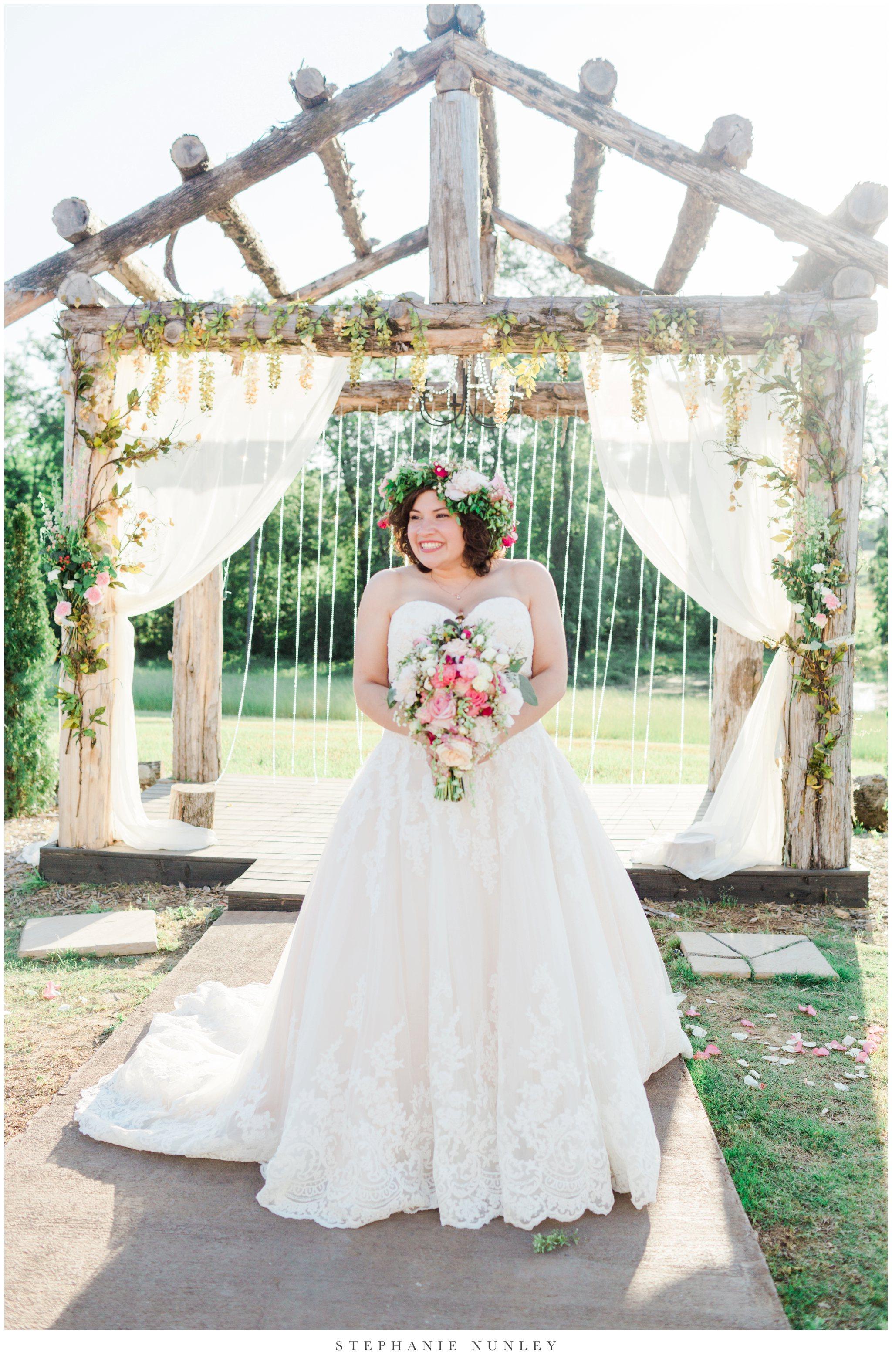 romantic-outdoor-wedding-with-flower-crown-0105.jpg