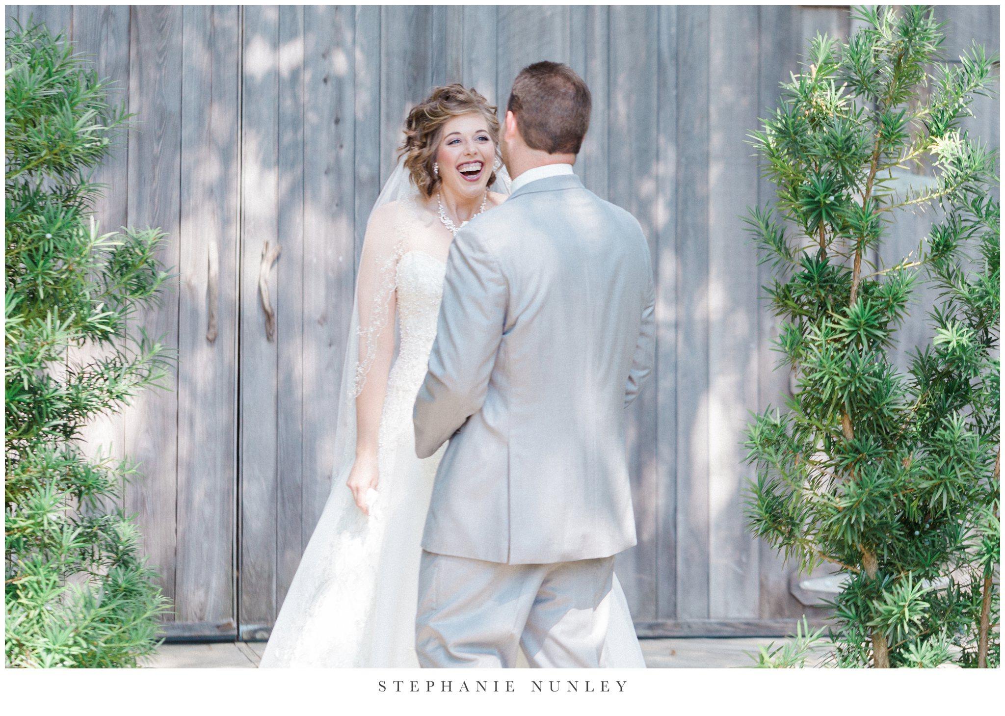 southern-classy-outdoor-barn-wedding-photos-0028.jpg