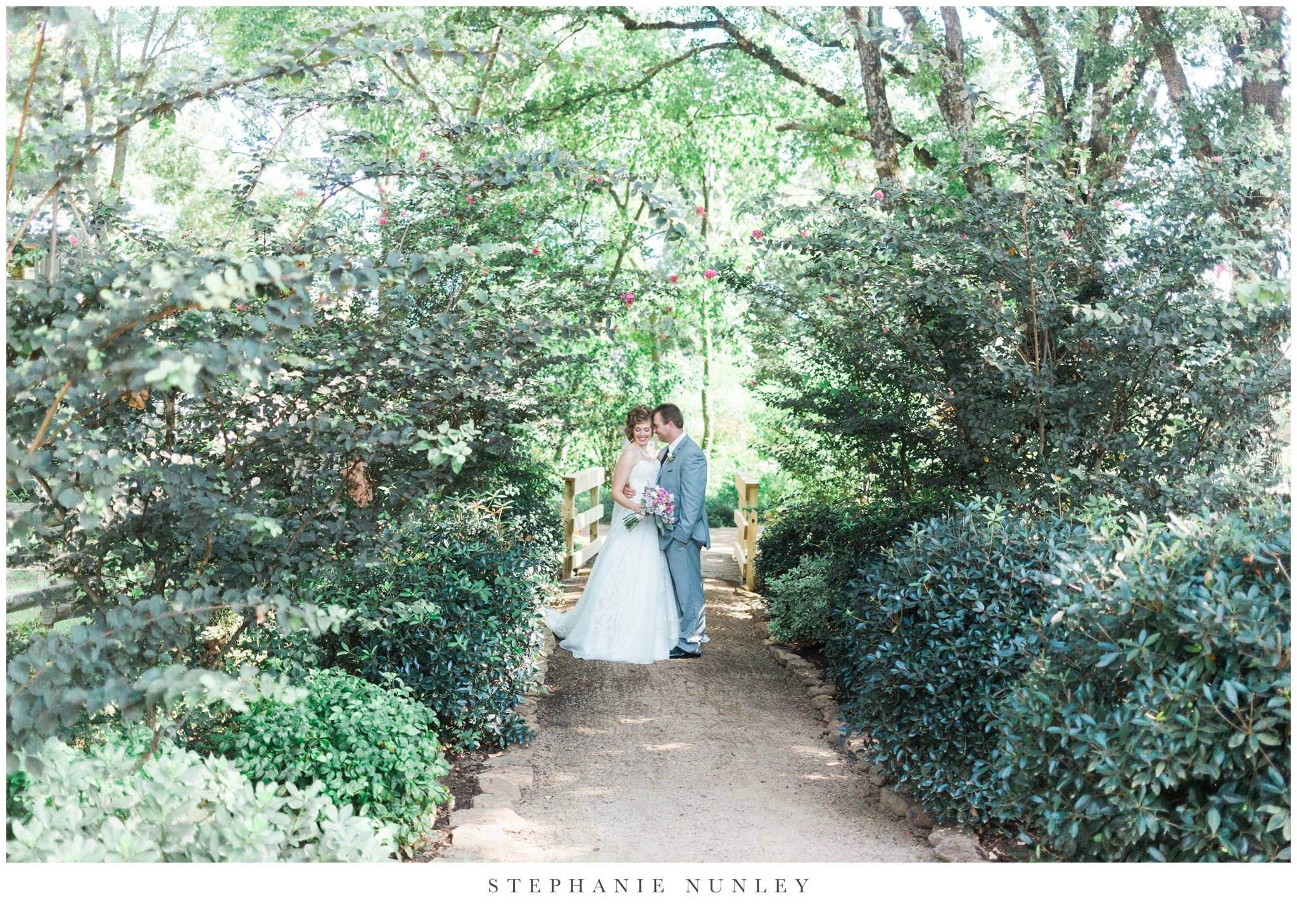 southern-classy-outdoor-barn-wedding-photos-0042.jpg