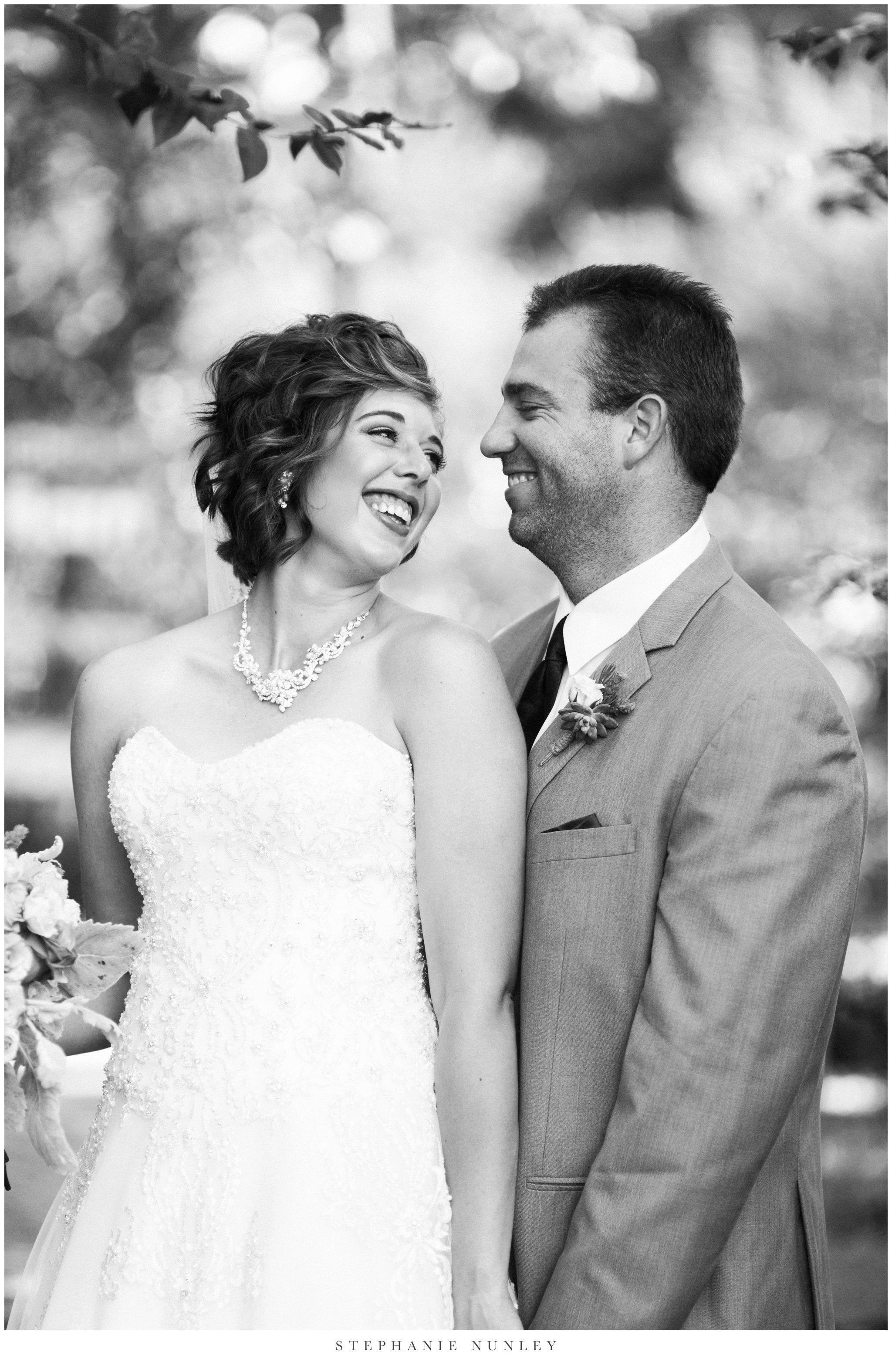 southern-classy-outdoor-barn-wedding-photos-0044.jpg
