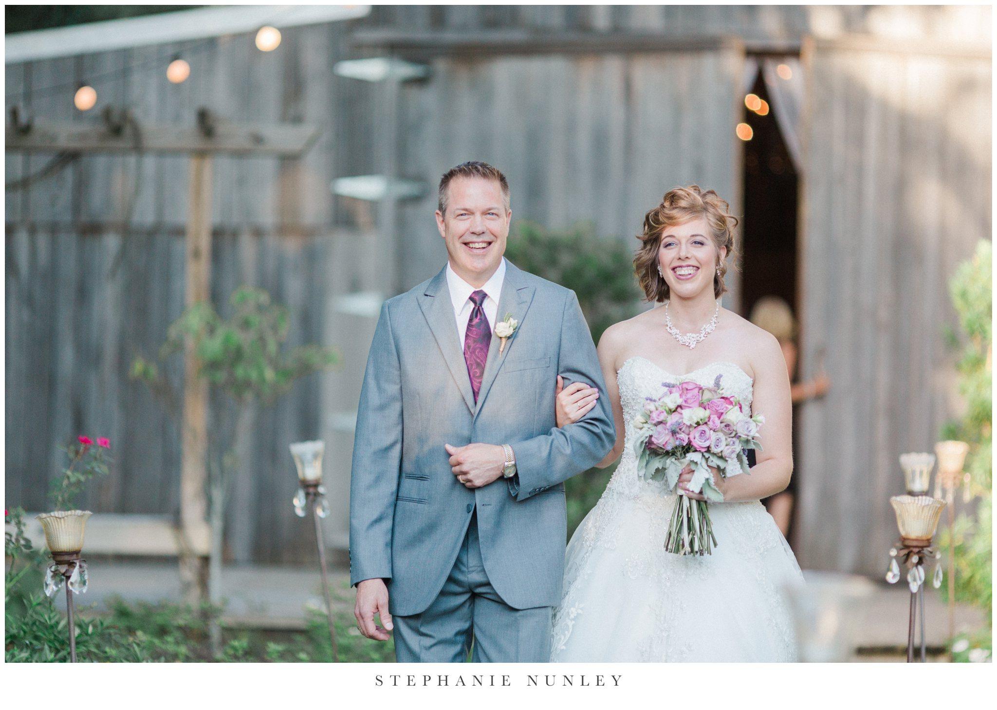 southern-classy-outdoor-barn-wedding-photos-0075.jpg