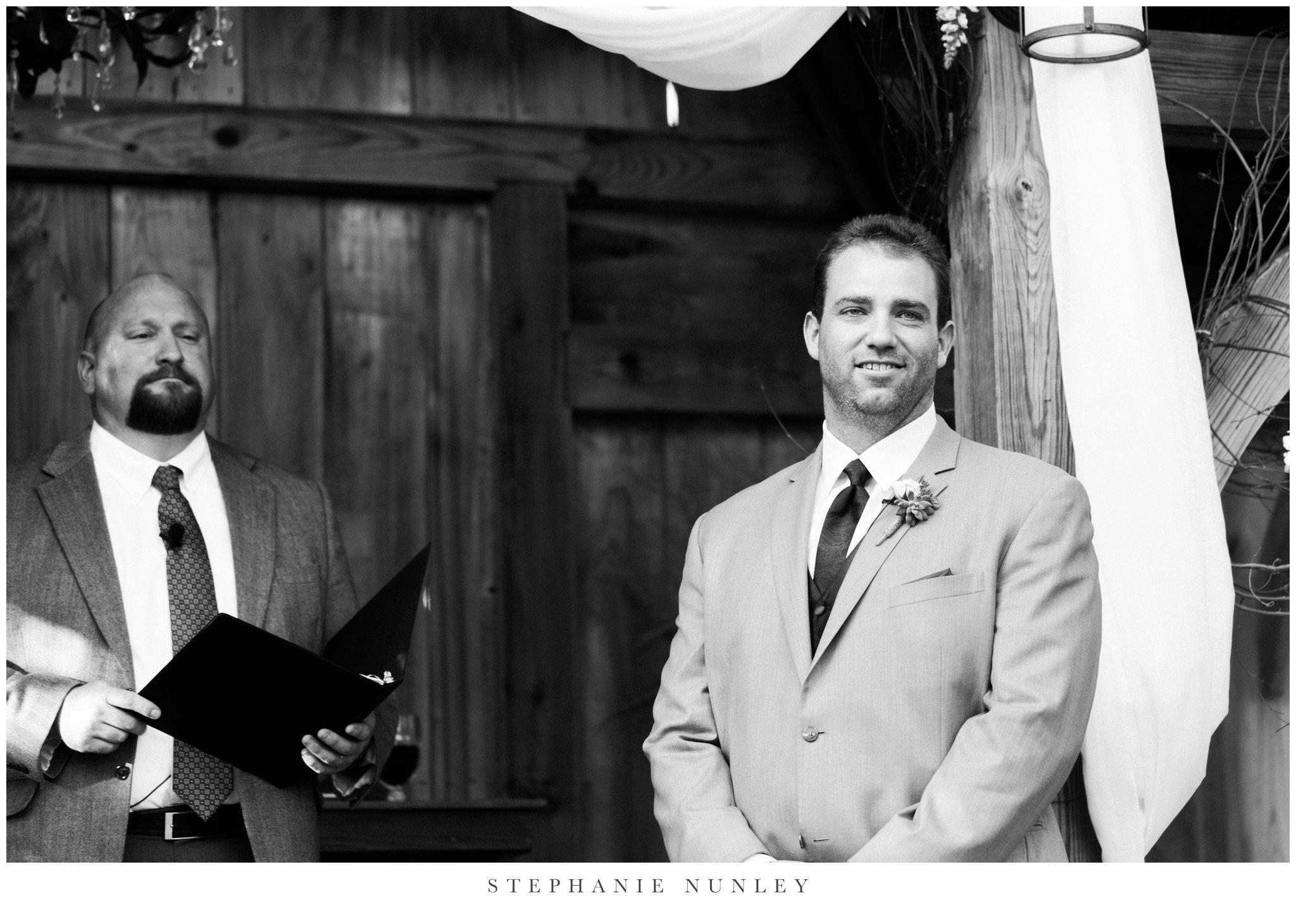southern-classy-outdoor-barn-wedding-photos-0076.jpg