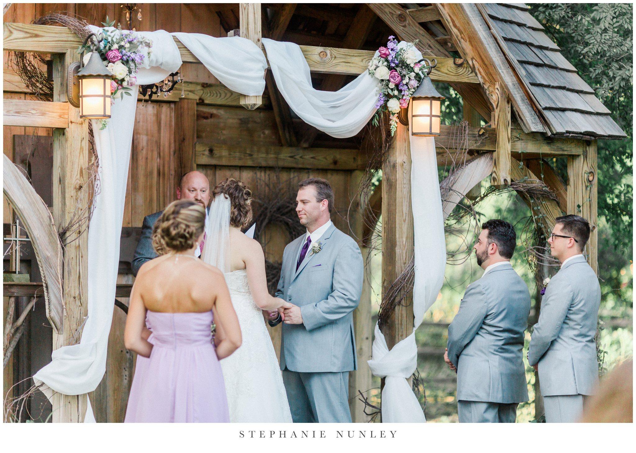 southern-classy-outdoor-barn-wedding-photos-0083.jpg